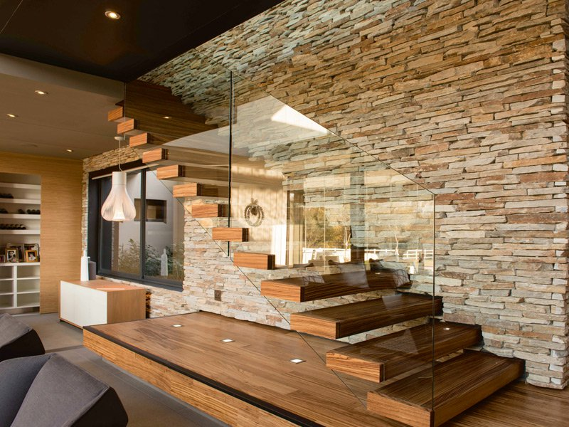 A residential composition in wood and glass by EeStairs
