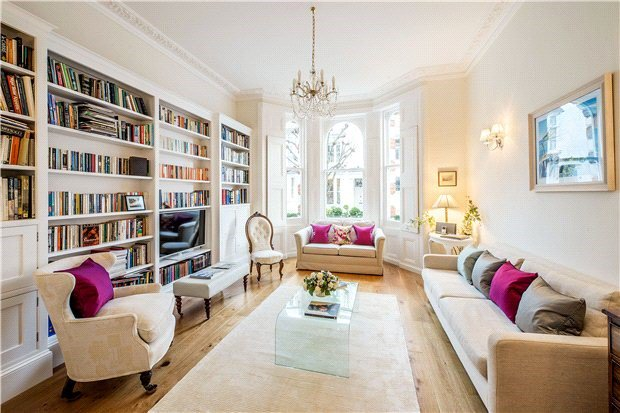 4 Bedrooms, 1,946 Sq Ft.A charming and well presented four bedroom maisonette, occupying approximately 1,946 sq ft, on the raised ground and lower ground floor of this well maintained building.