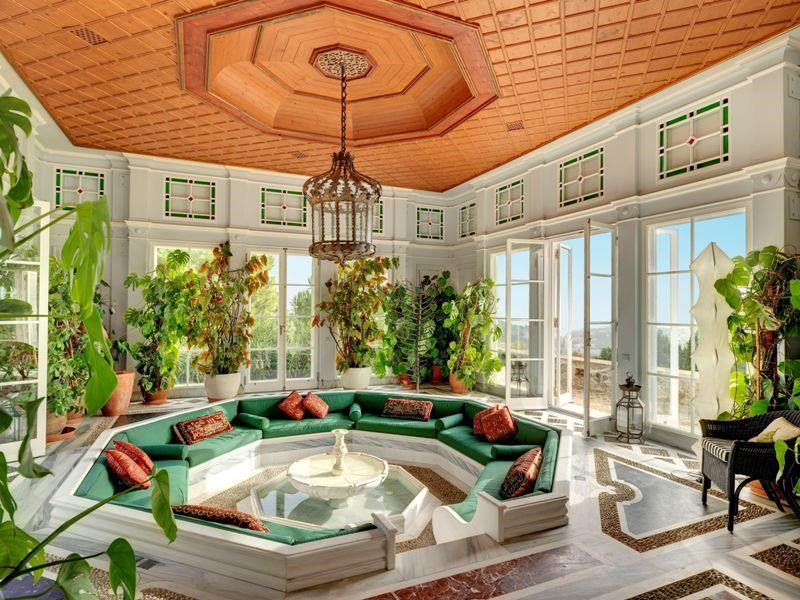 <b>10 Bedrooms, 13,993 sq. ft.</b><br/>Perched on a hill on the outskirts of Athens, this spectacular estate enjoys commanding views over the surrounding countryside.