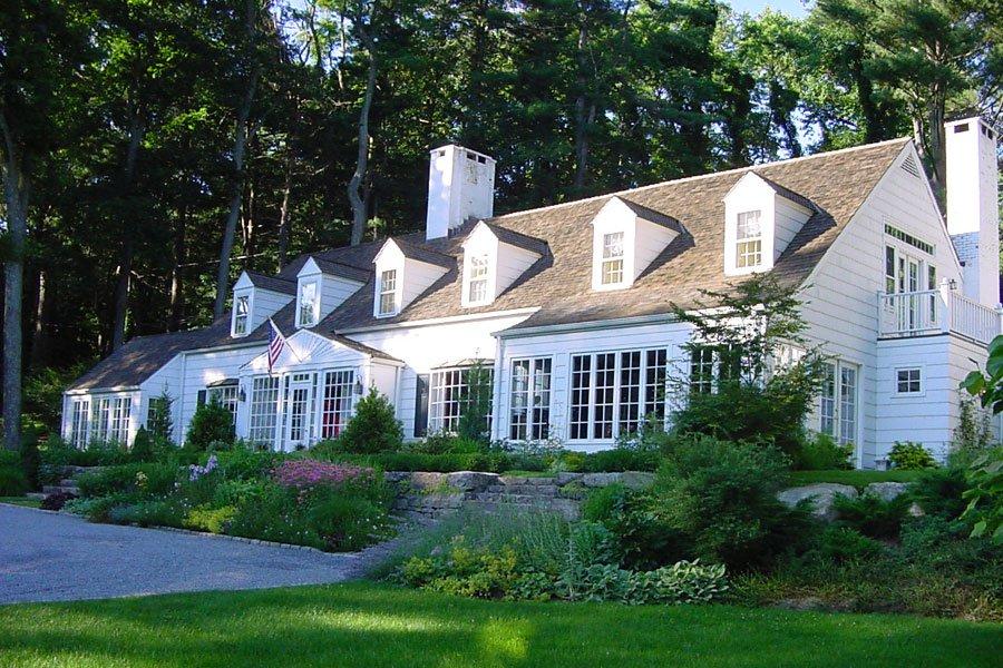 <b>5 Bedrooms, 4,803 sq. ft.</b><br/>Charming farm estate on 2.6 acres