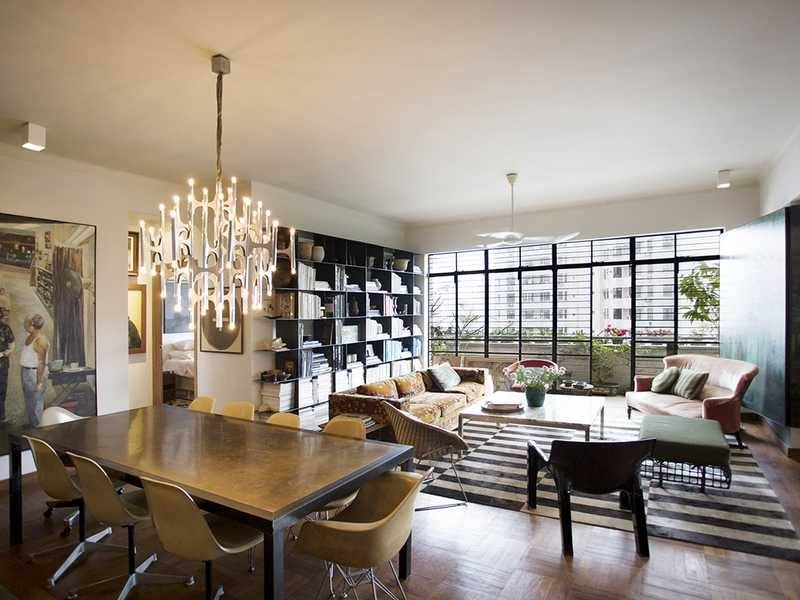 <b>3 Bedrooms, 1,567 sq. ft.</b><br/>Unique mid-rise apartment with tasteful décor