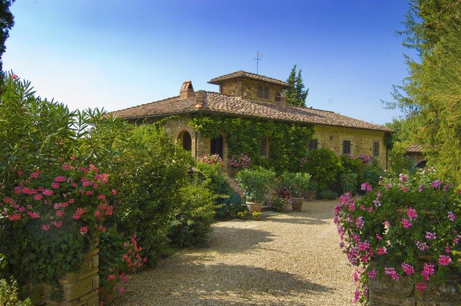 <b>8 Bedrooms, 8,718 sq. ft.</b><br/>Historic villa in Chianti