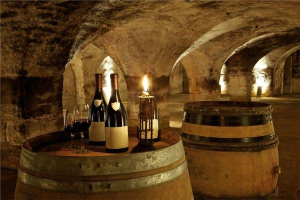 An 80-hectare Bordeaux vineyard estate and architectural masterpiece built in 1786 by French architect Victor Louis.