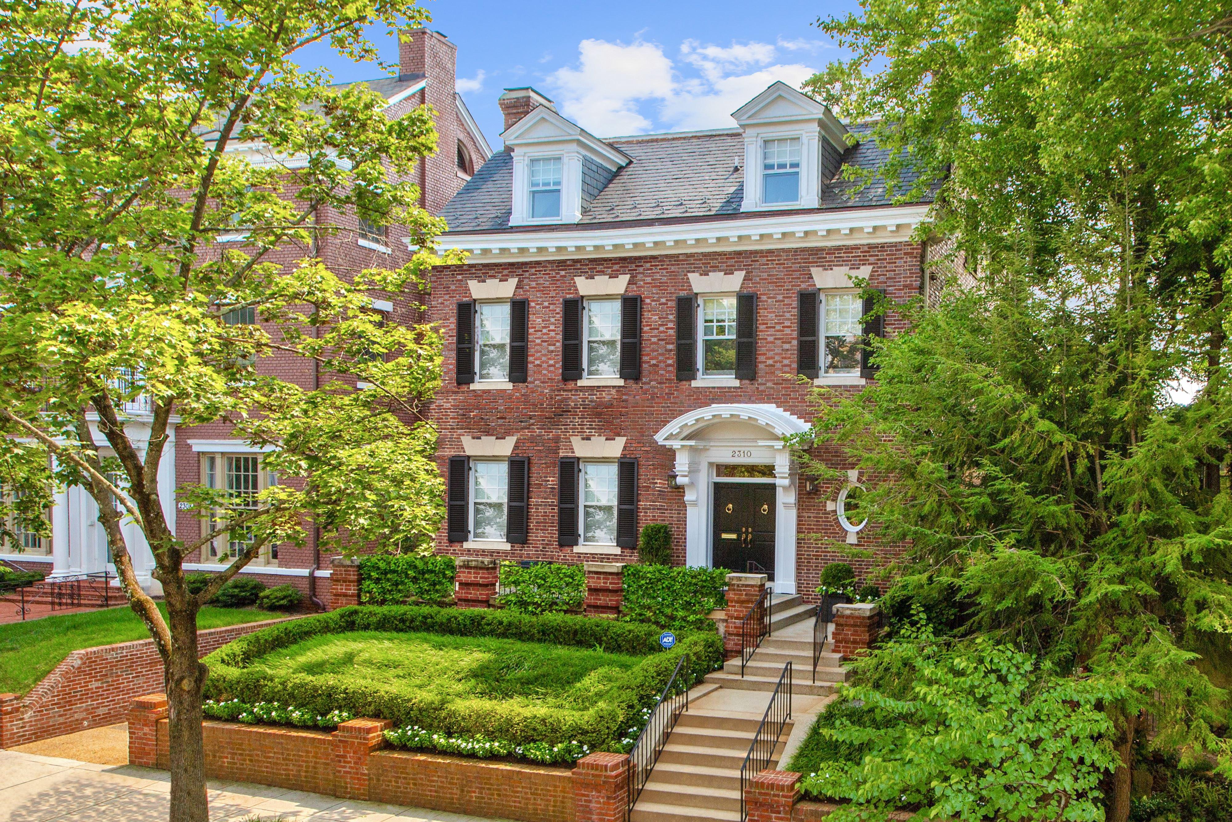 Luxury mansion in Washington, DC