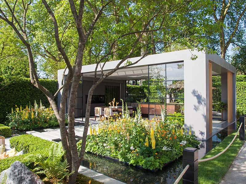 Landscape Architect Hay Joung Hwang integrated technology and environmental mindfulness in her LG Eco-City Garden at the 2018 Chelsea Flower Show.