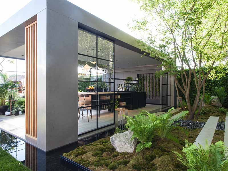 The LG Eco-City Garden at the 2018 Chelsea Flower Show was self-sufficient and energy efficient, employing aquaponics systems and solar technologies.