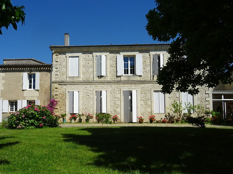 Located in the heart of a charming village, only 20 minutes from Saint-Émilion and 45 minutes from Bordeaux, this vineyard property has an array of wine-growing equipment, an experimented team in place, and unobstructed views of the surrounding countryside.
