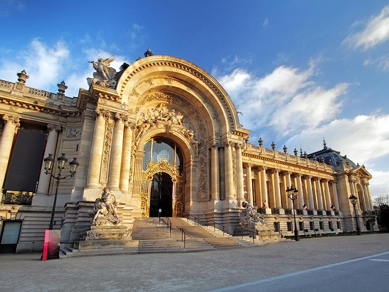 Grand Palais Paris exterior