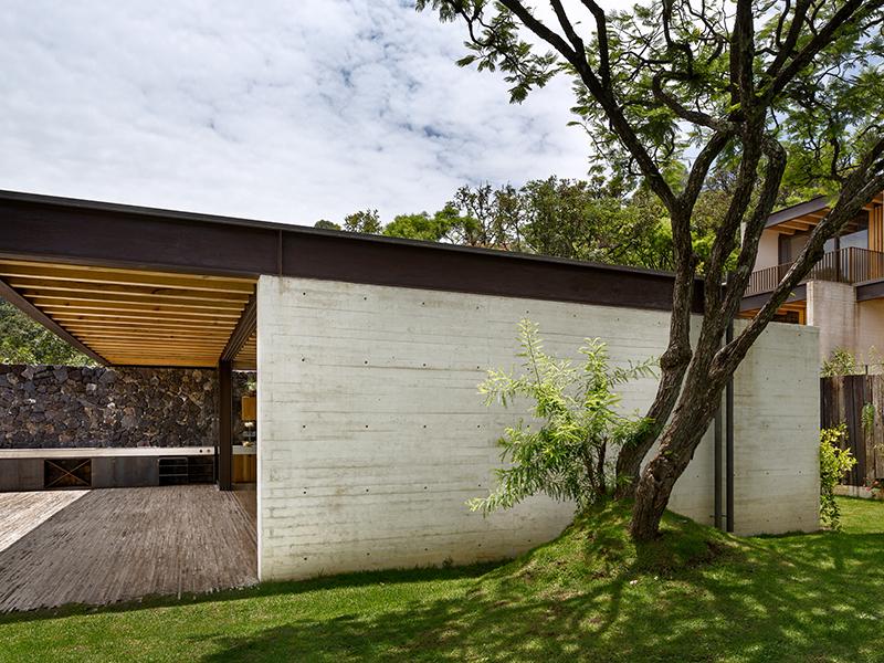 Hector Barroso Toucan House