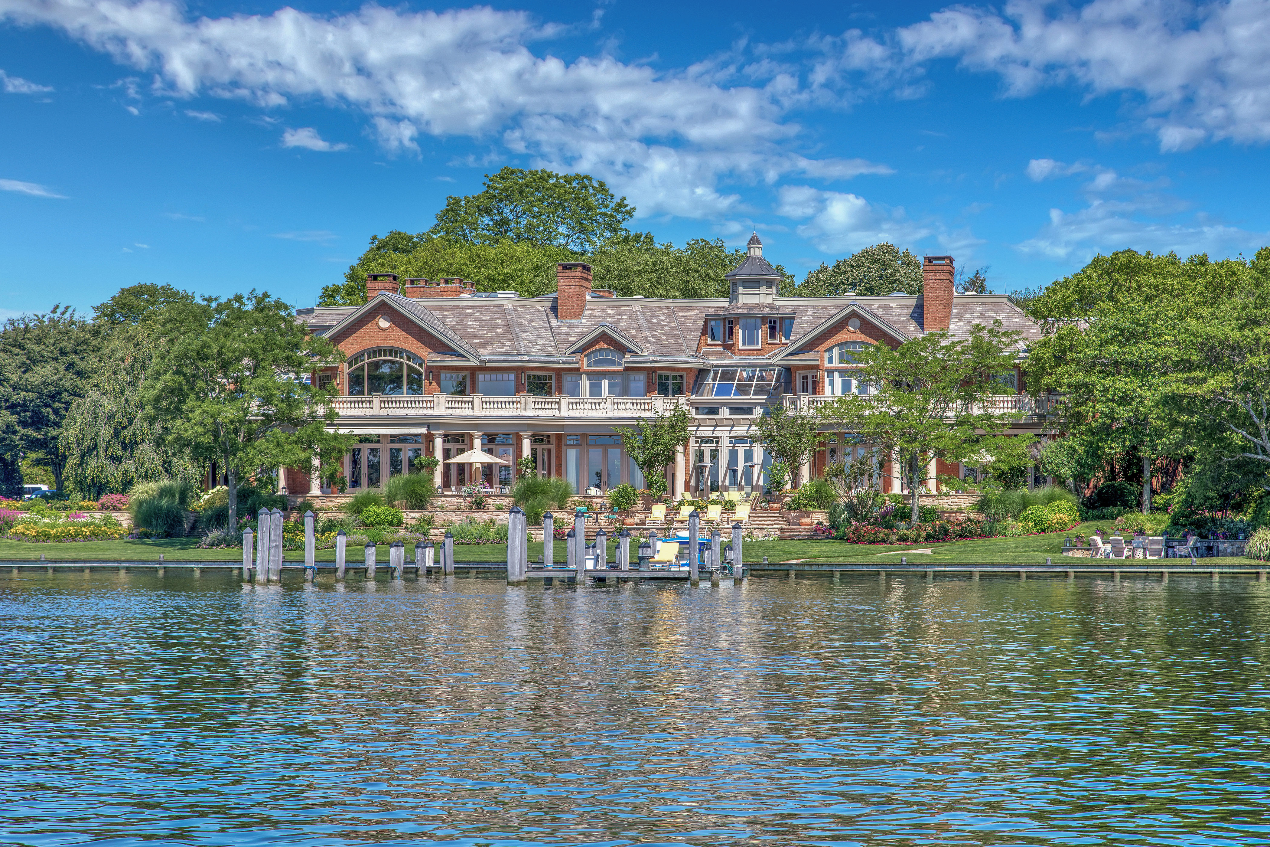 New Jersey Riverfront Home