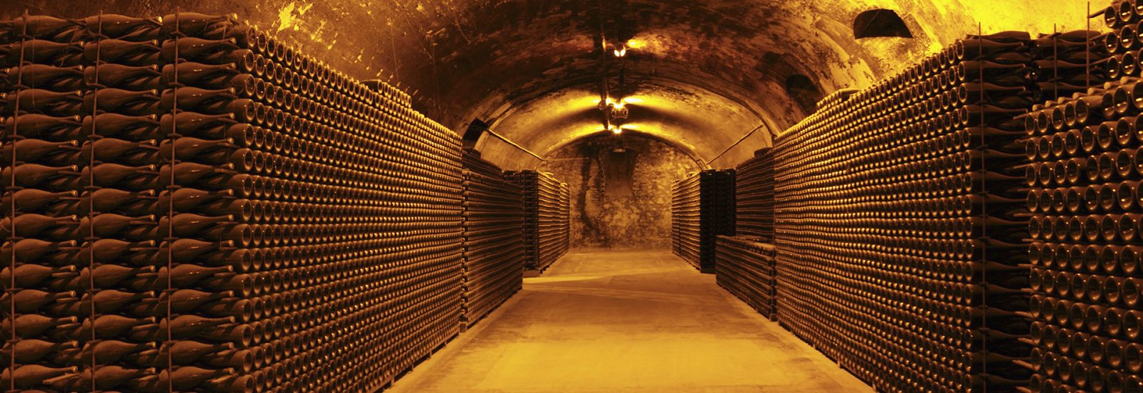 Wine-cave-champagne-banner-GettyImages