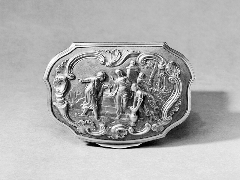 A silver snuffbox owned by the Ducchess of Gloucester