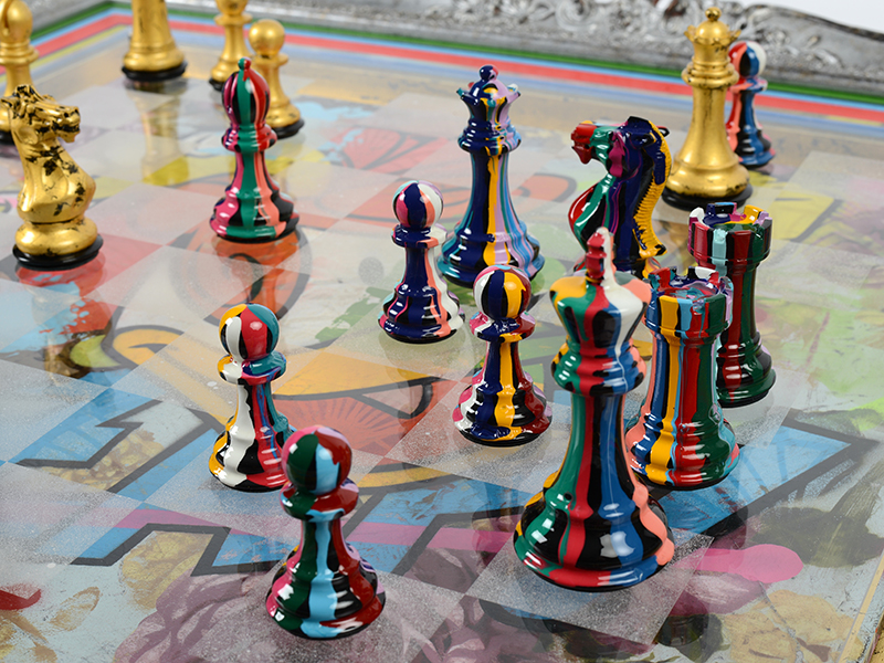 Luxury chess sets with patterned pieces