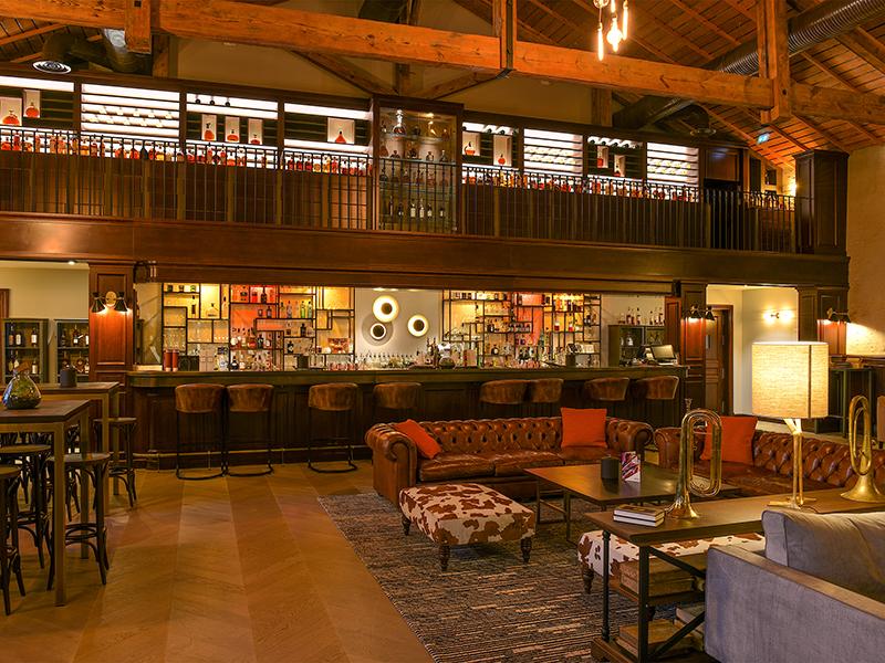 The bar at Hotel Chais Monnet