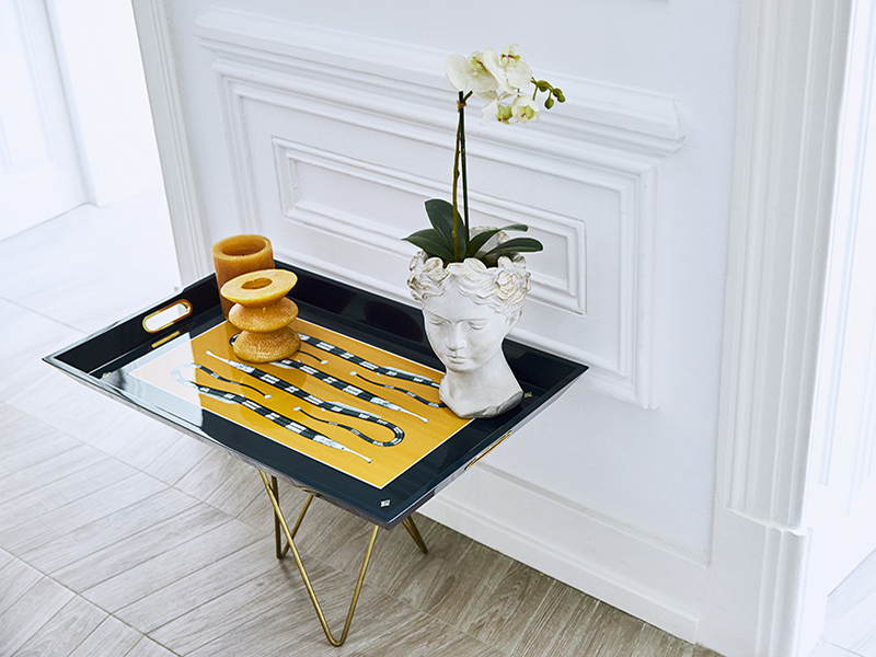Tray with vase and flowers
