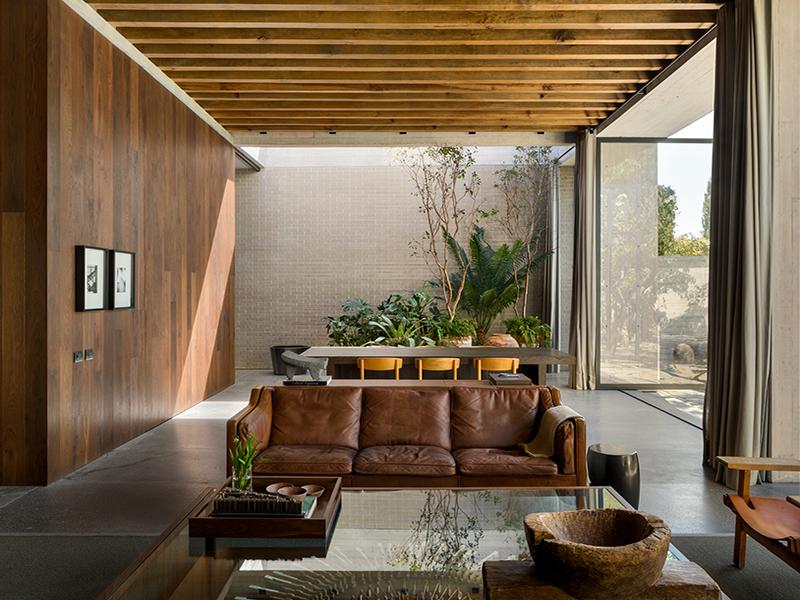 Living space in Manuel Cervantes Casa Estudio
