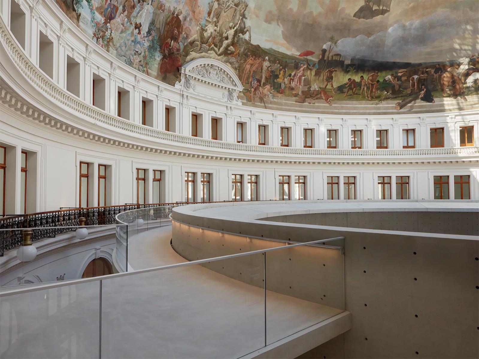 The Bourse de Commerce Gallery