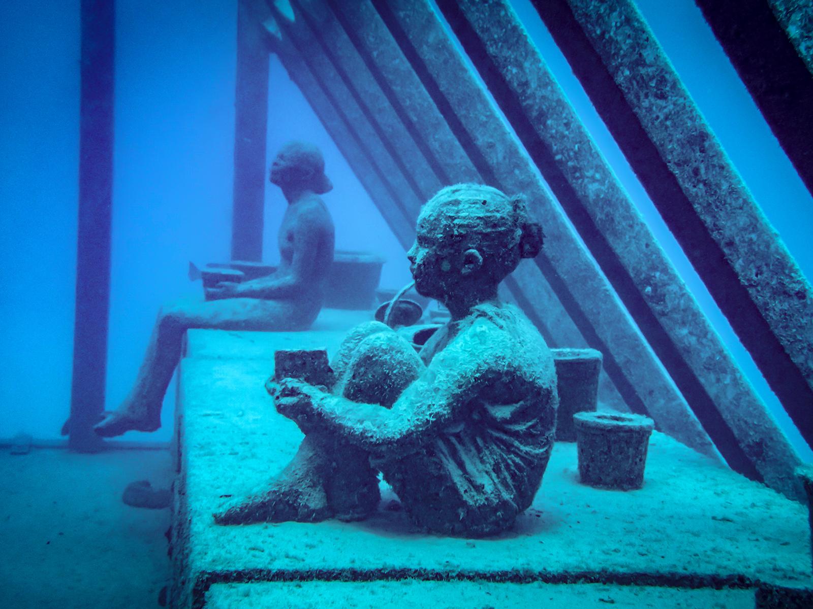 Underwater sculptures at Australia's new Underwater Gallery museum