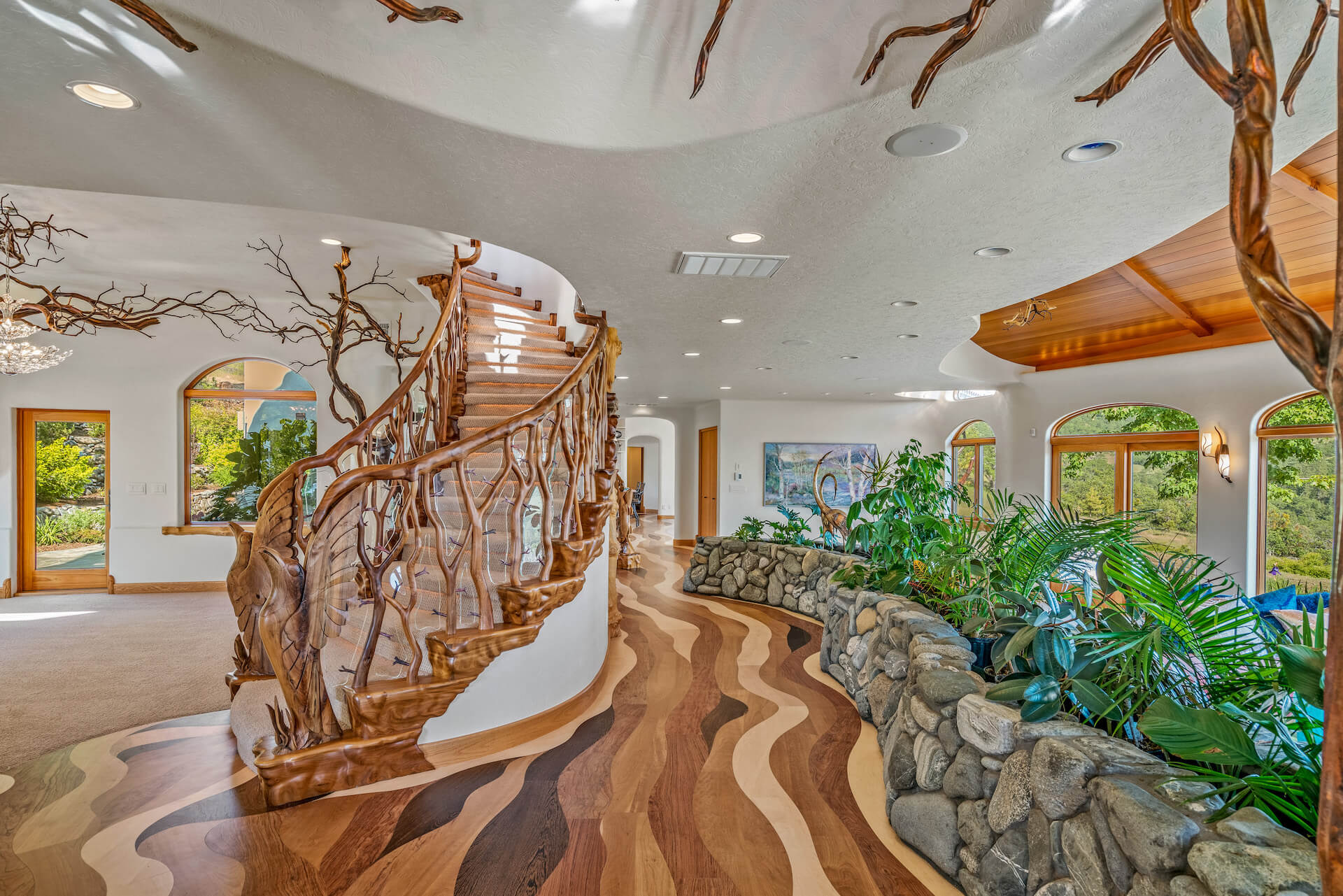 Shining Hand Ranch in Ashland, Oregon Signature Staircases   ULTERRE