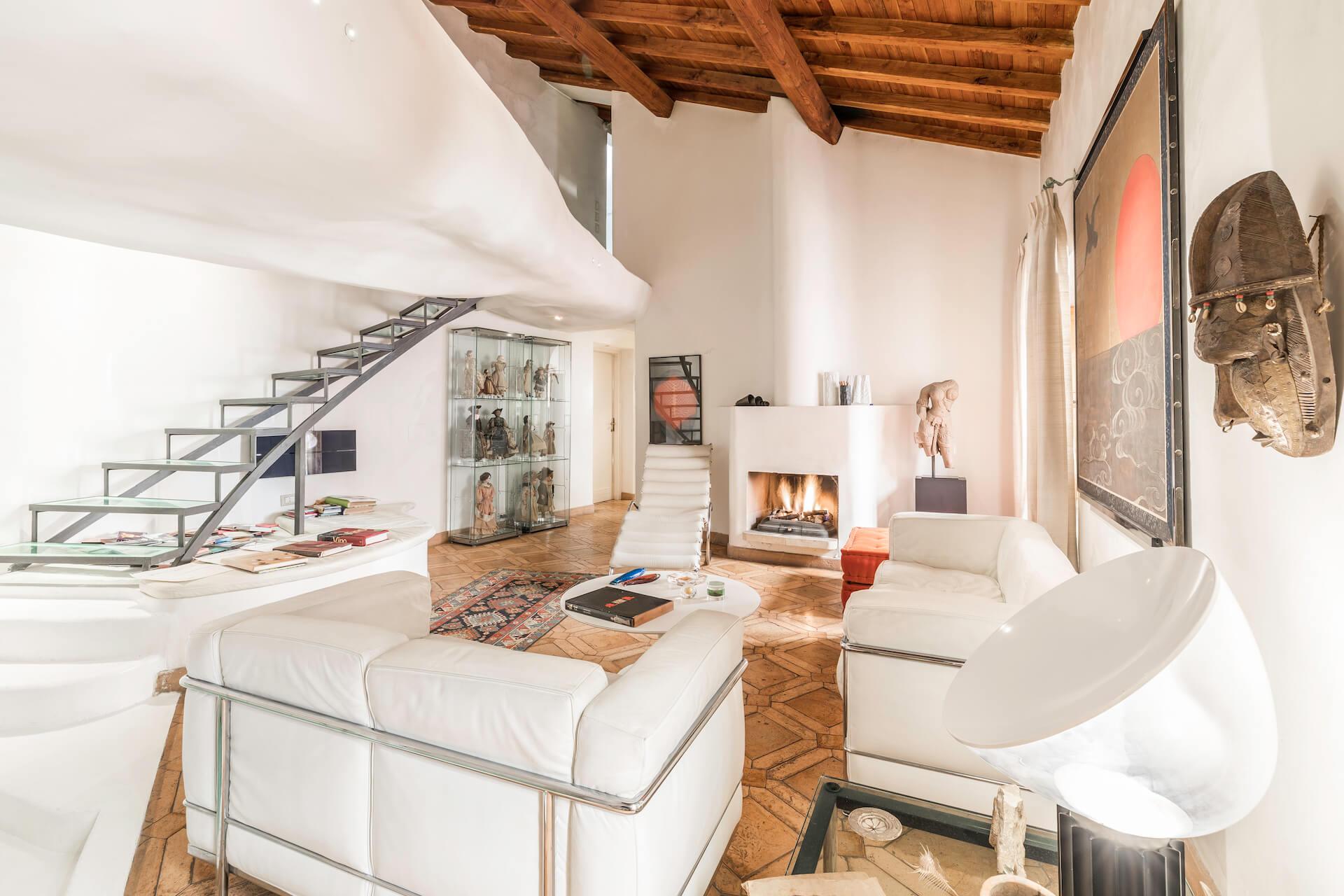 Penthouse on Via Bocca di Leone in Rome, Italy   ULTERRE