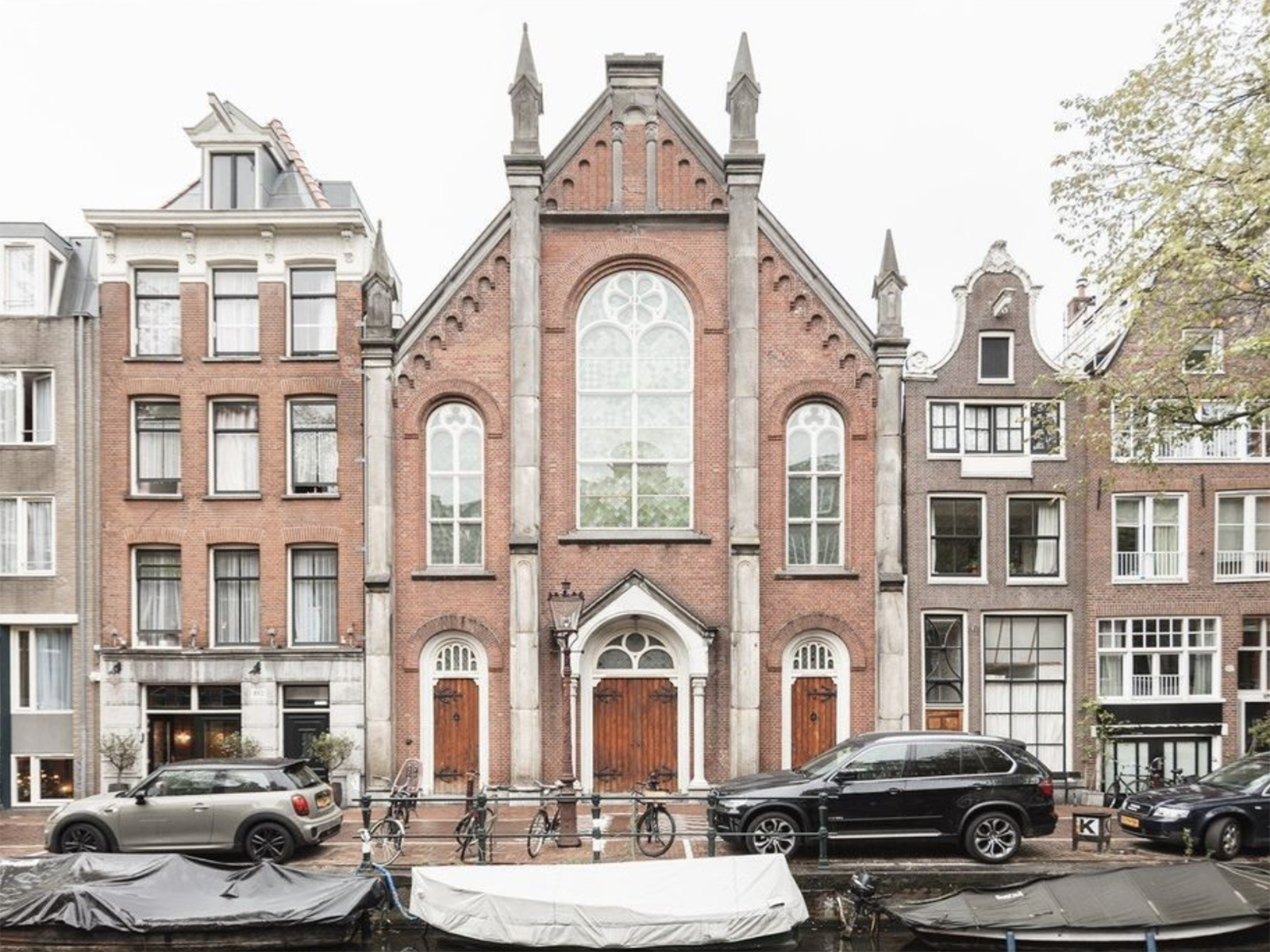 The outside view of a Amsterdam villa