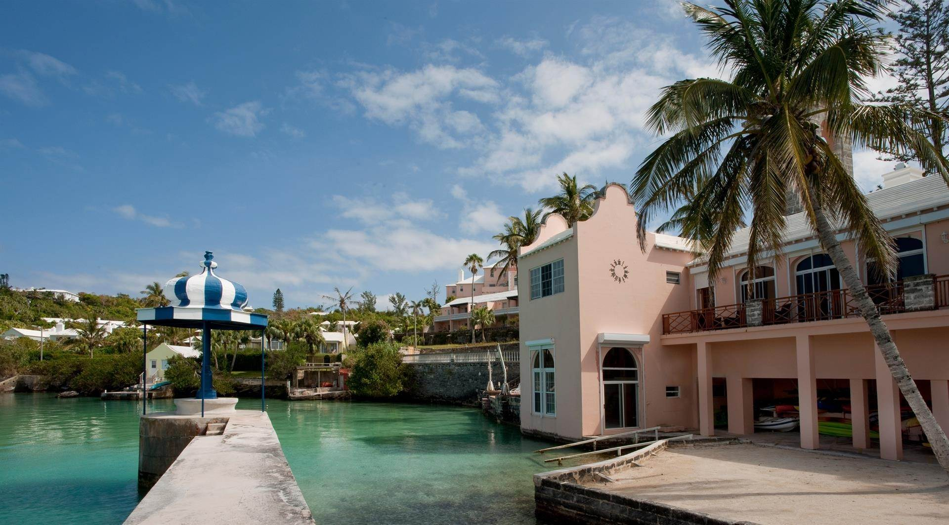 Condominium por un Venta en The Boat House On Harrington Sound 7 Harrington Sound Road Smith's Parish, Bermuda,FL07 Bermuda
