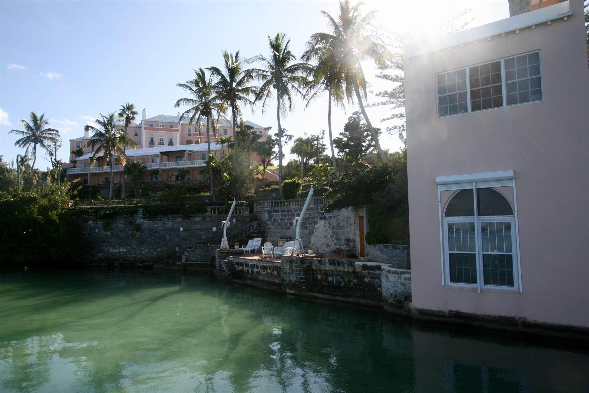 6. Condominium por un Venta en The Boat House On Harrington Sound 7 Harrington Sound Road Smith's Parish, Bermuda,FL07 Bermuda
