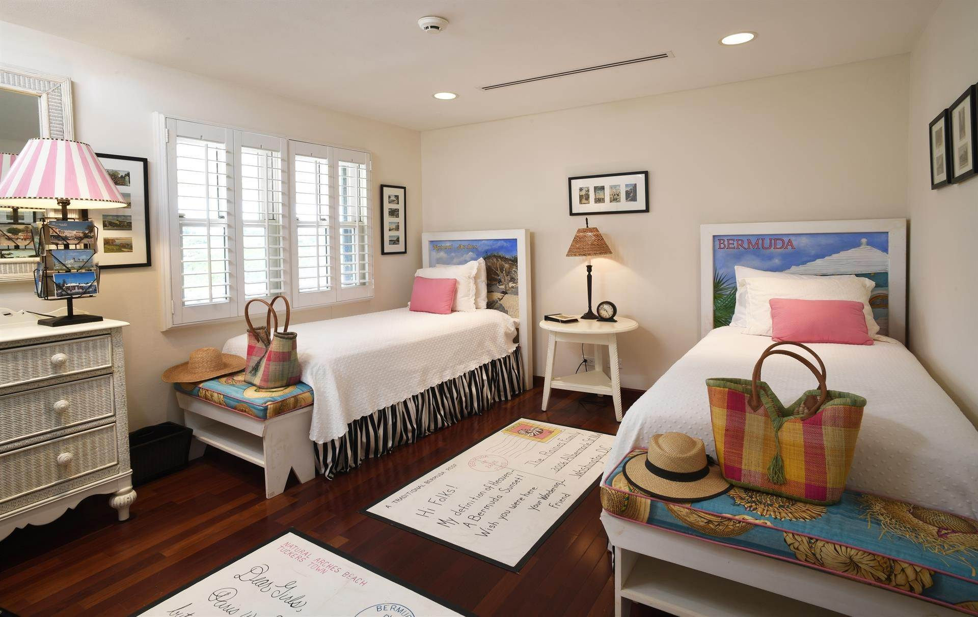 10. Single Family Home 용 매매 에 Caper Collis In Tucker's Town 3 South Road Hamilton Parish, Bermuda,HS02 버뮤다