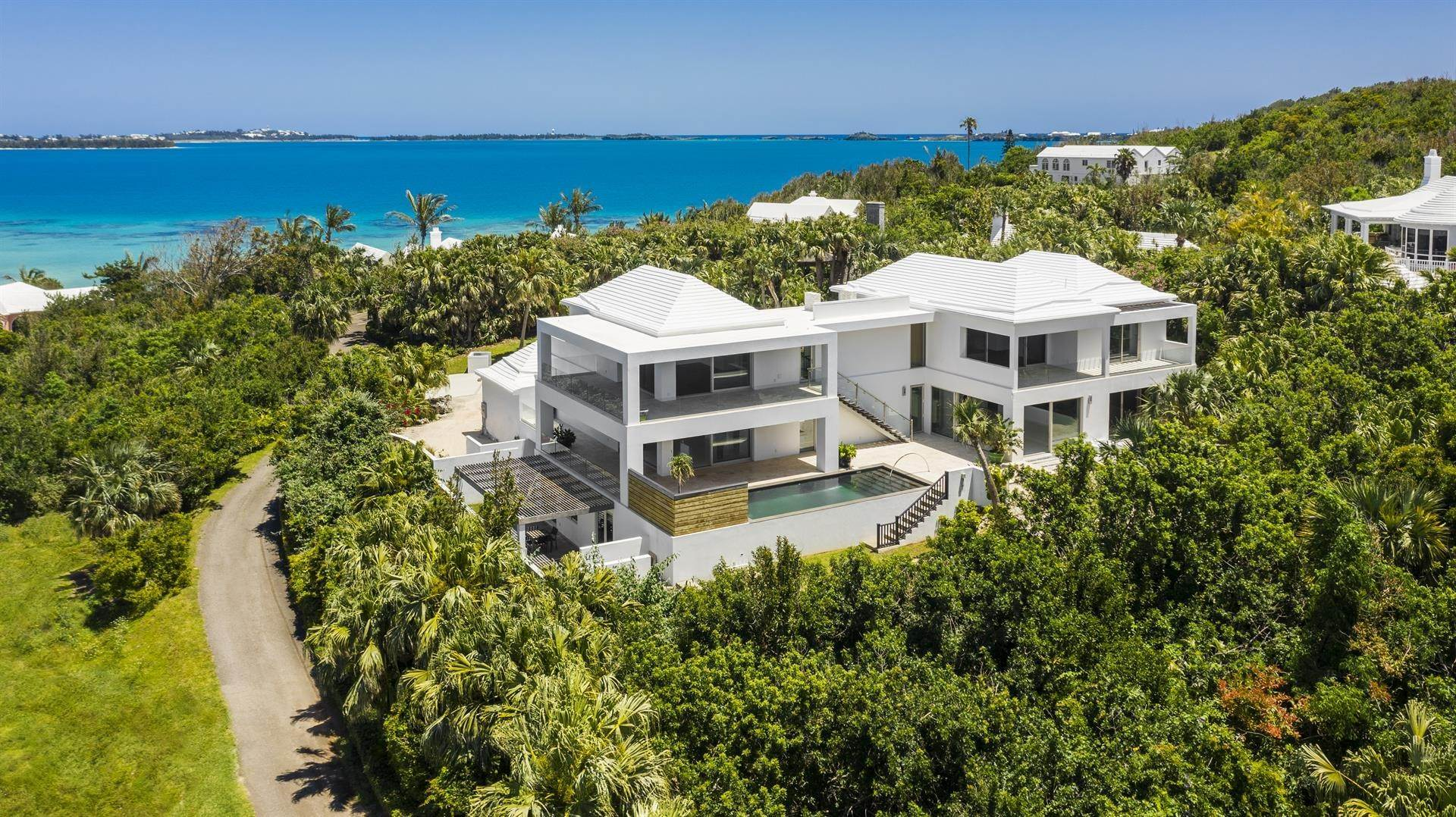 Single Family Home por un Venta en Georgetown - Bermuda's Modern House 50A Harrington Sound Road Hamilton Parish, Bermuda,CR04 Bermuda