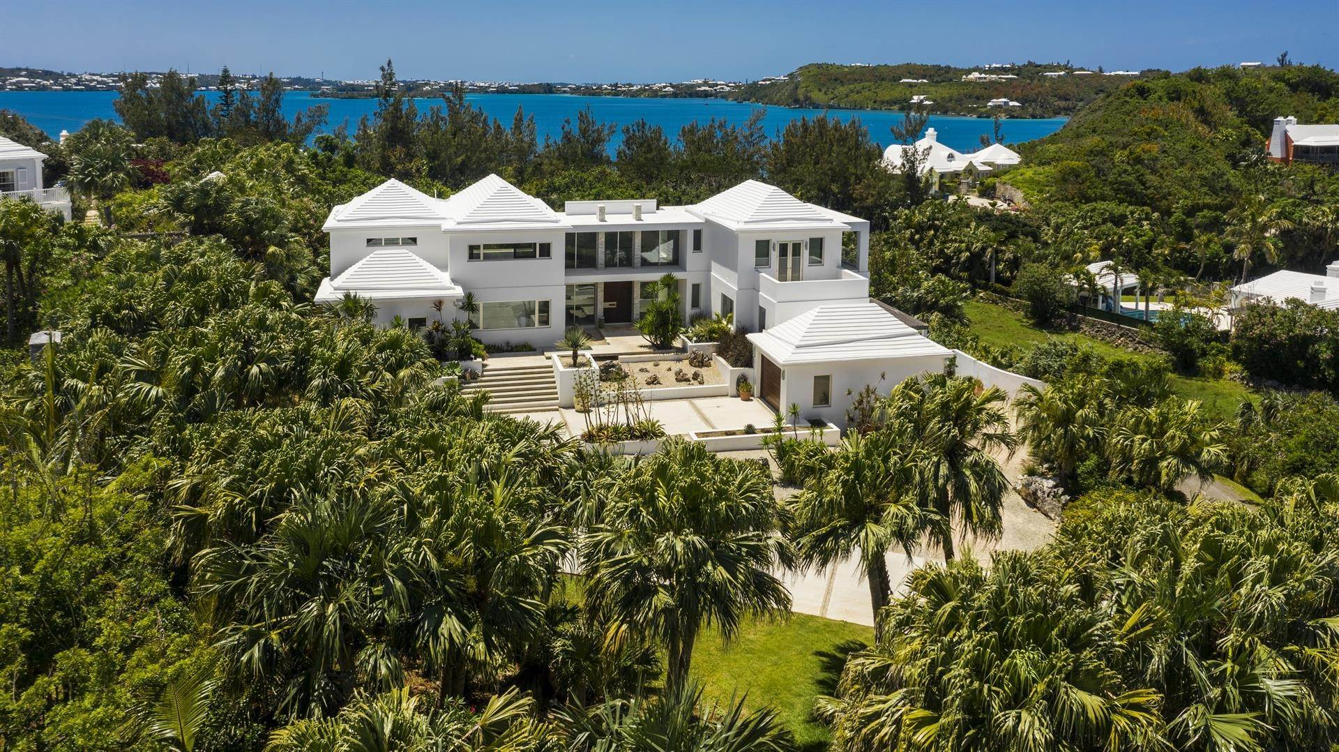 3. Single Family Home のために 売買 アット Georgetown - Bermuda's Modern House 50A Harrington Sound Road Hamilton Parish, Bermuda,CR04 バミューダ