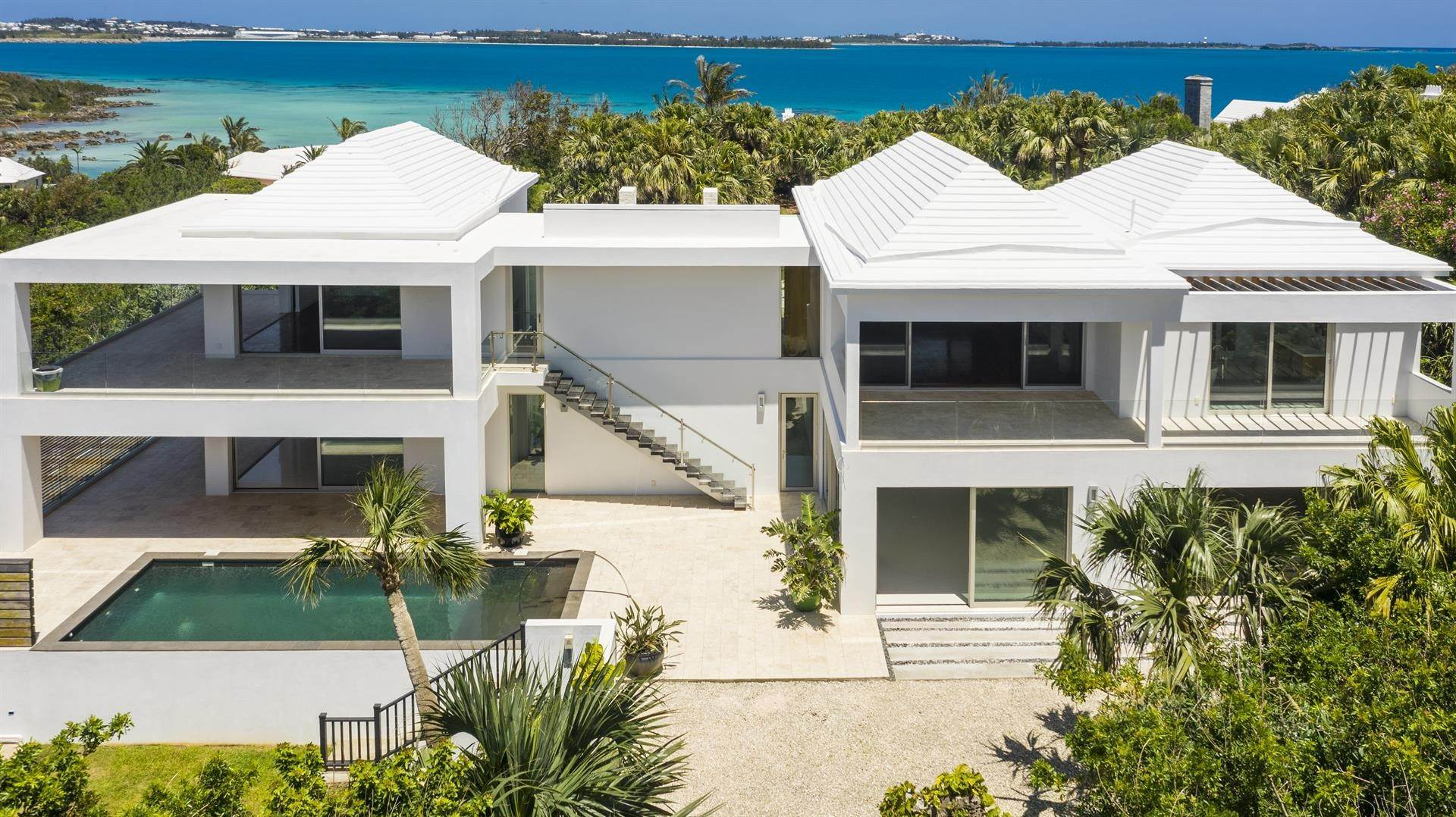 2. Single Family Home のために 売買 アット Georgetown - Bermuda's Modern House 50A Harrington Sound Road Hamilton Parish, Bermuda,CR04 バミューダ