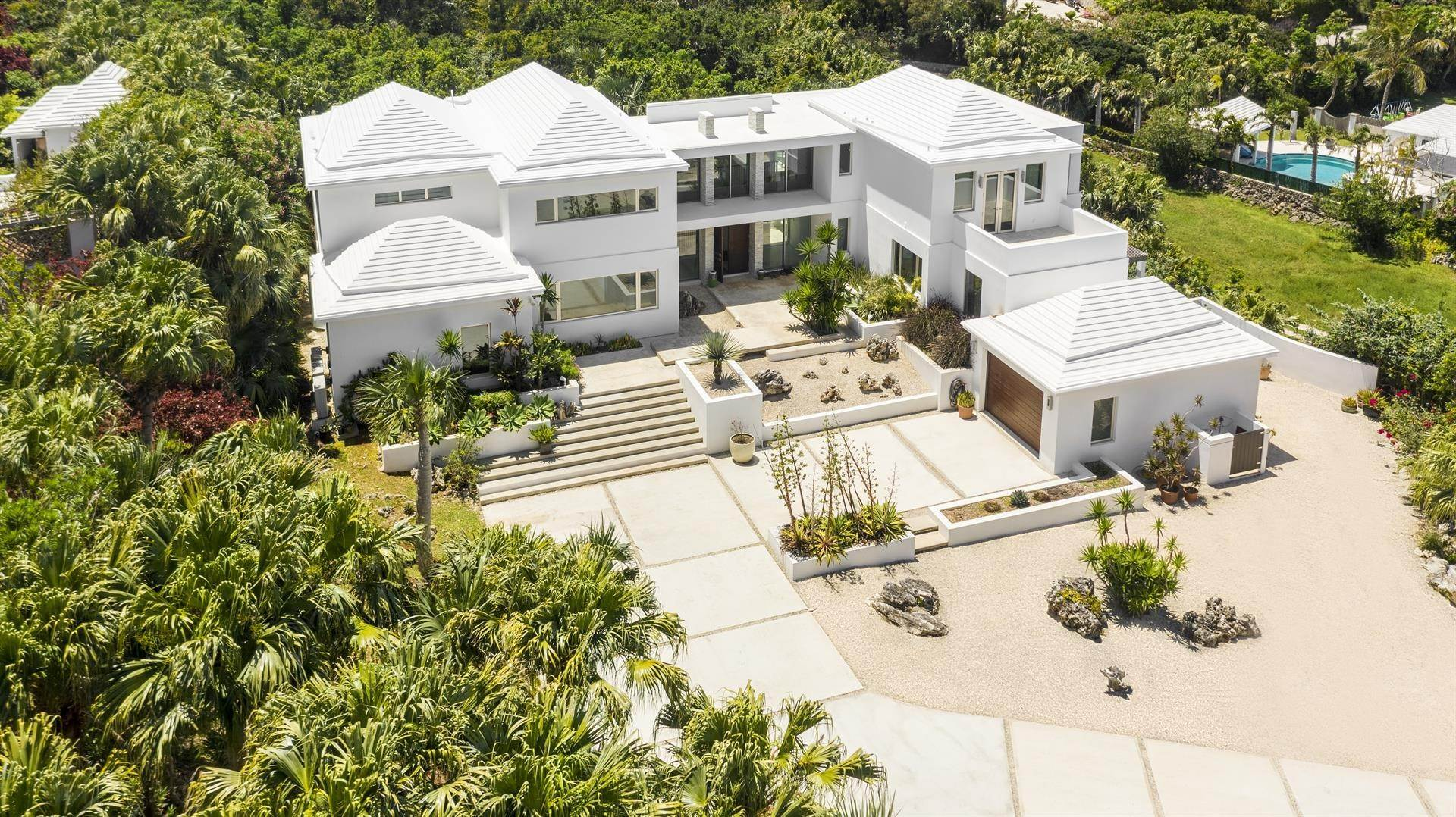 4. Single Family Home のために 売買 アット Georgetown - Bermuda's Modern House 50A Harrington Sound Road Hamilton Parish, Bermuda,CR04 バミューダ