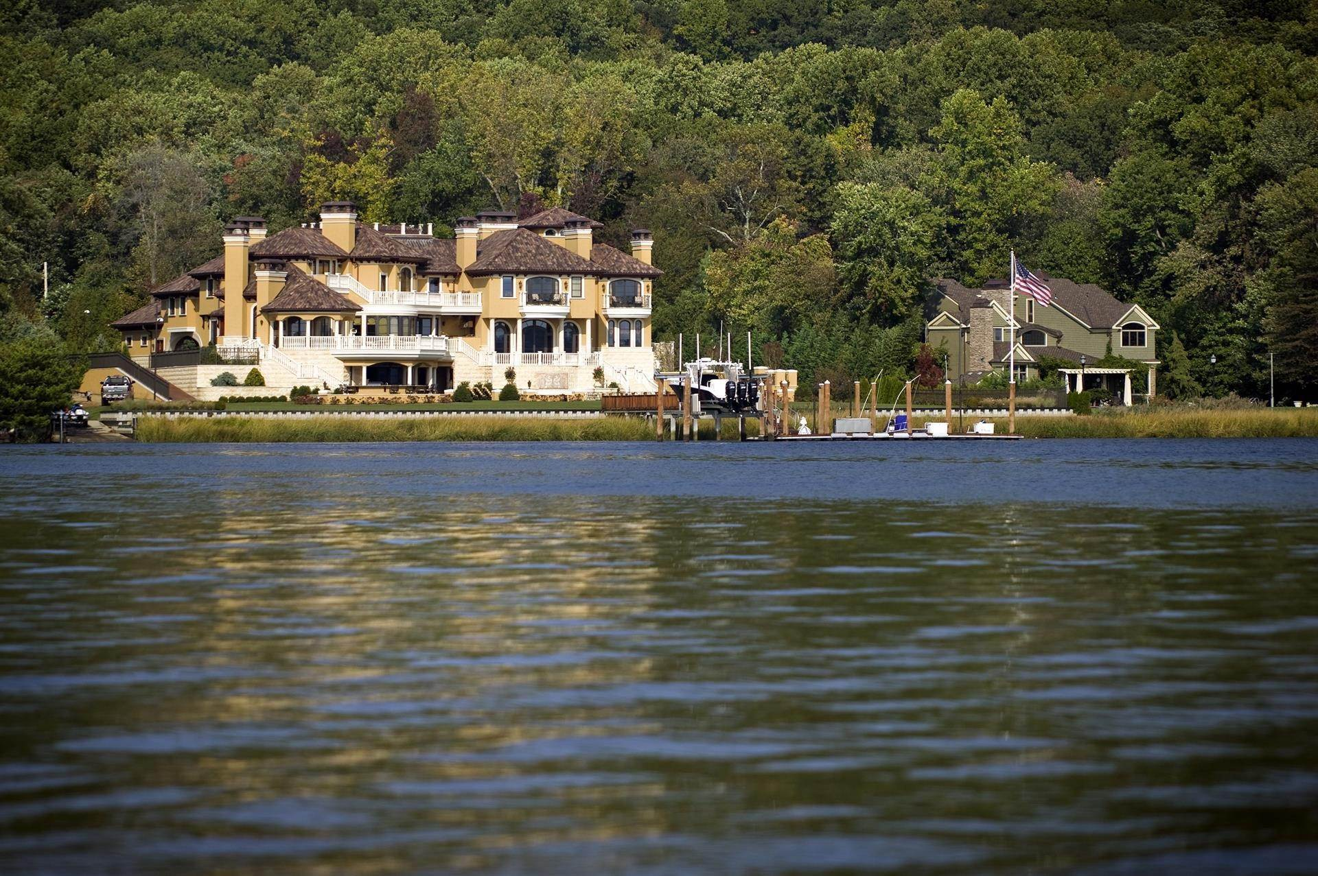 44. Estate for Sale at Villa Paradiso on the Navesink Middletown, New Jersey,07760 United States