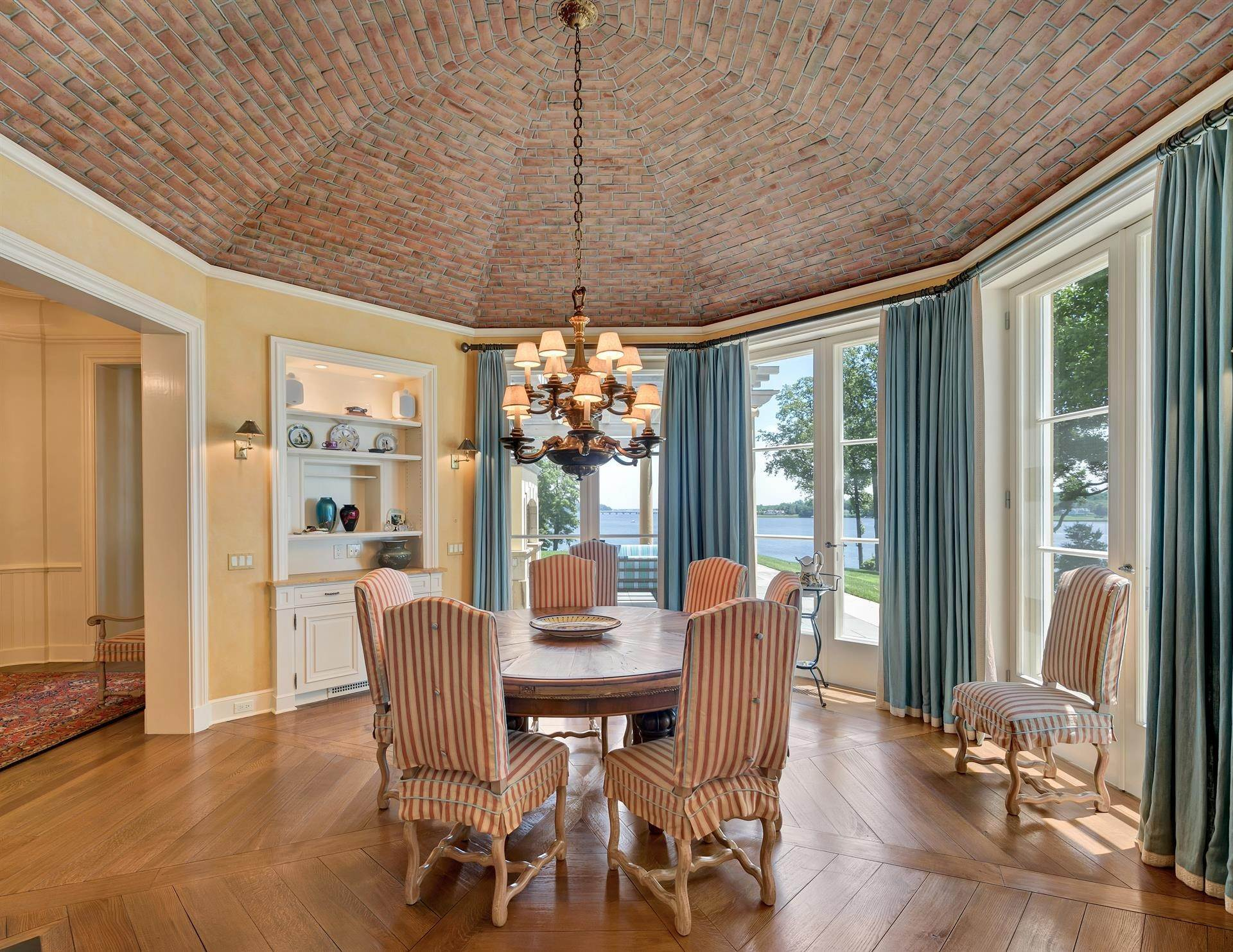 17. Estate for Sale at High Point Estate on the Navesink River Middletown, New Jersey,07701 United States