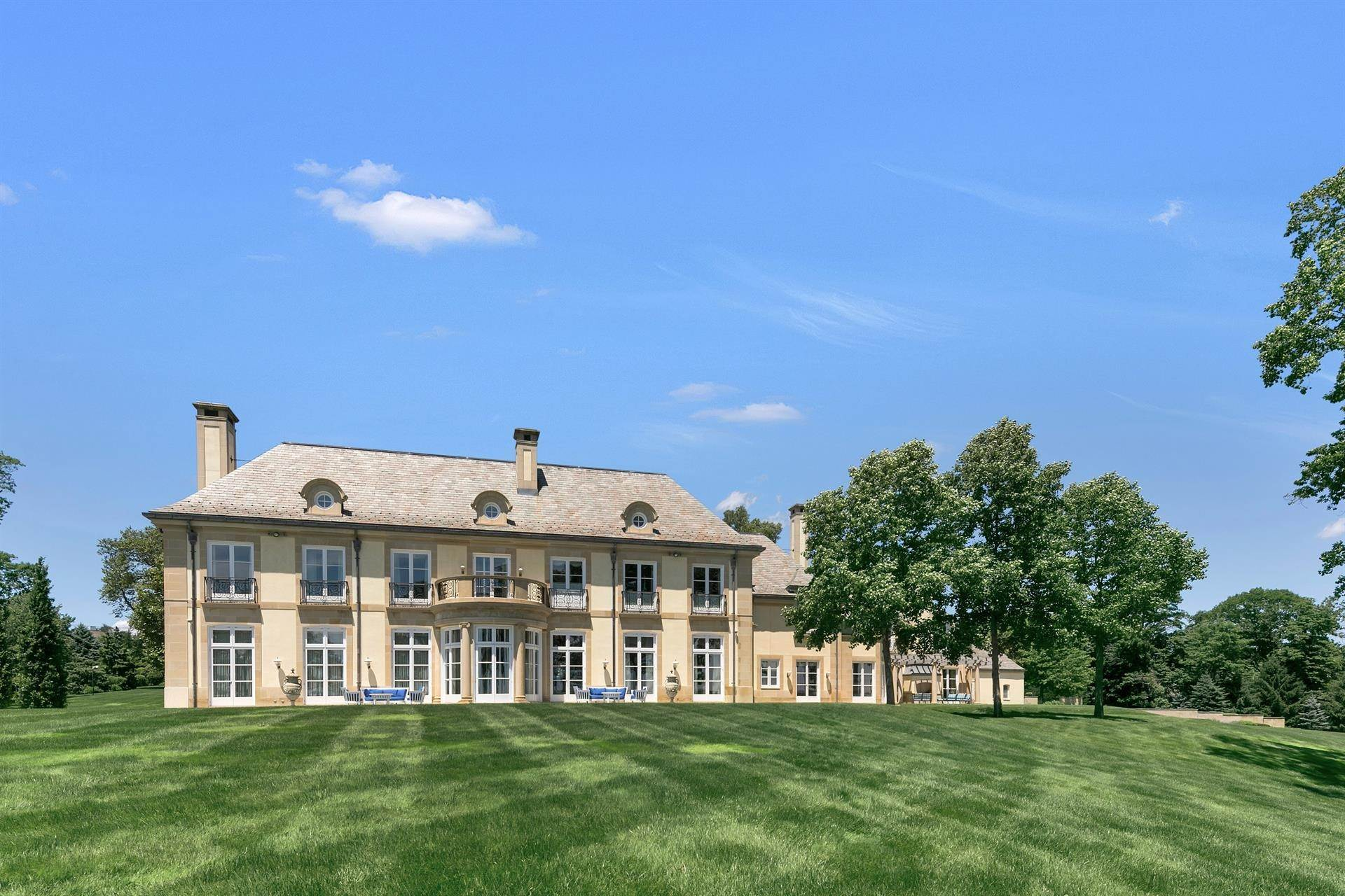 2. Estate for Sale at High Point Estate on the Navesink River Middletown, New Jersey,07701 United States
