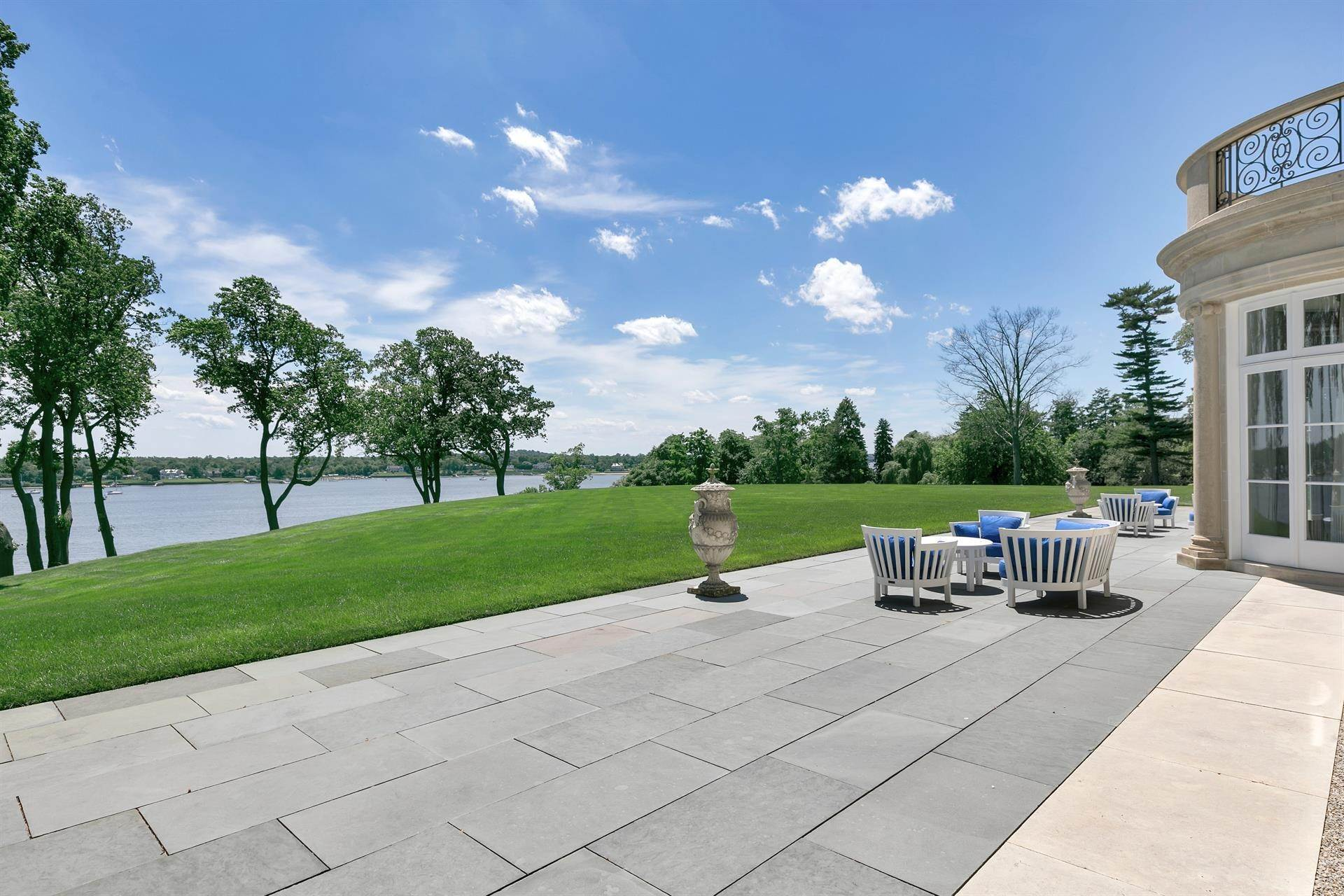6. Estate for Sale at High Point Estate on the Navesink River Middletown, New Jersey,07701 United States