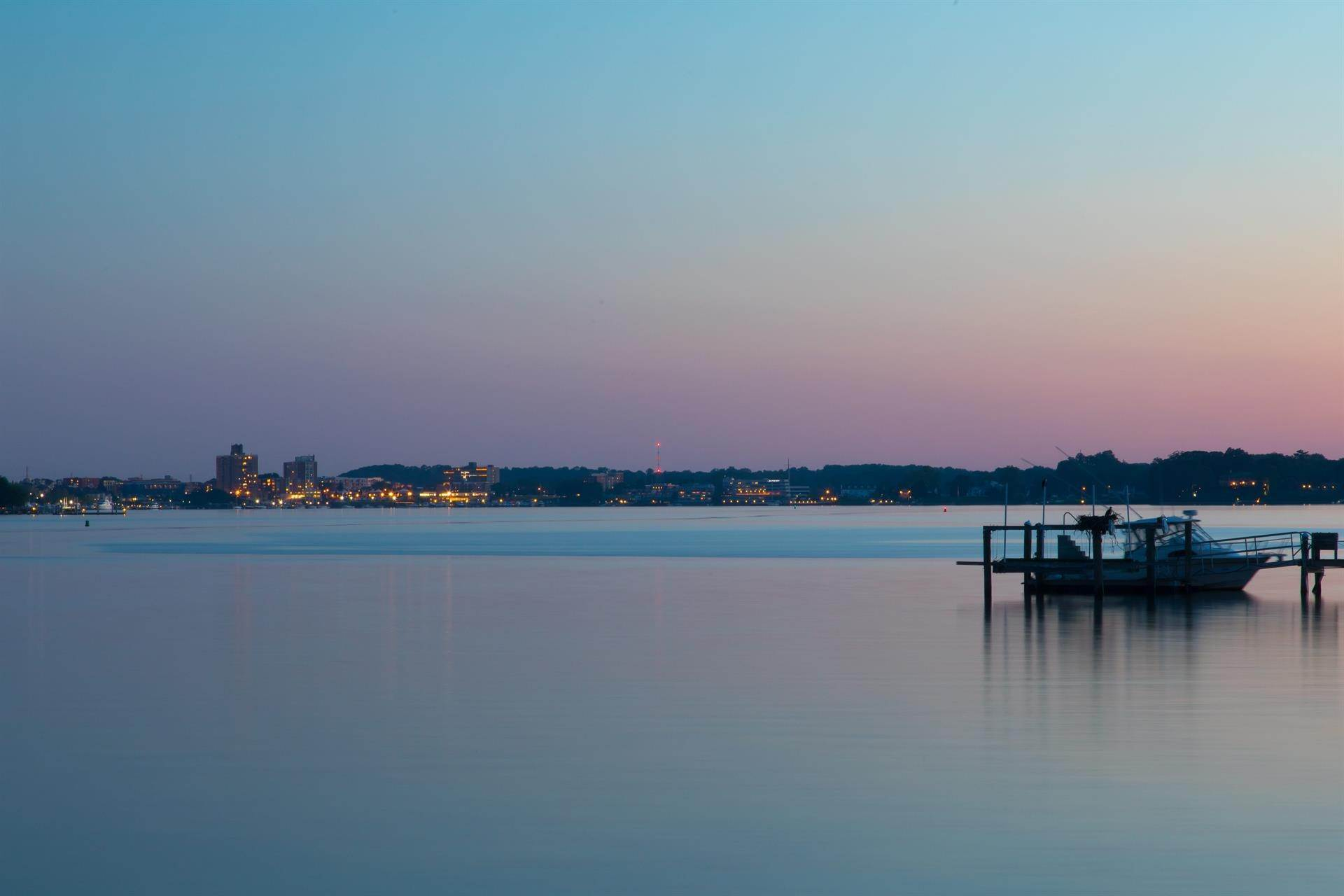 20. Estate for Sale at High Point Estate on the Navesink River Middletown, New Jersey,07701 United States