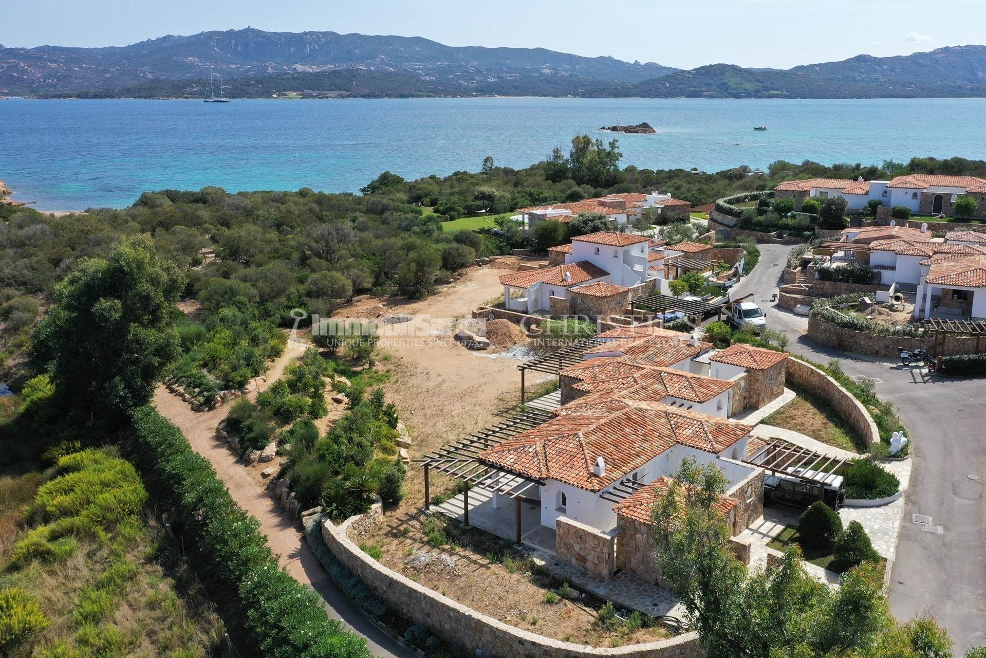 別墅 / 联排别墅 為 出售 在 Detached Beachfront Villa Borgo Harenae Costa Smeralda, Olbia Tempio,07021 義大利