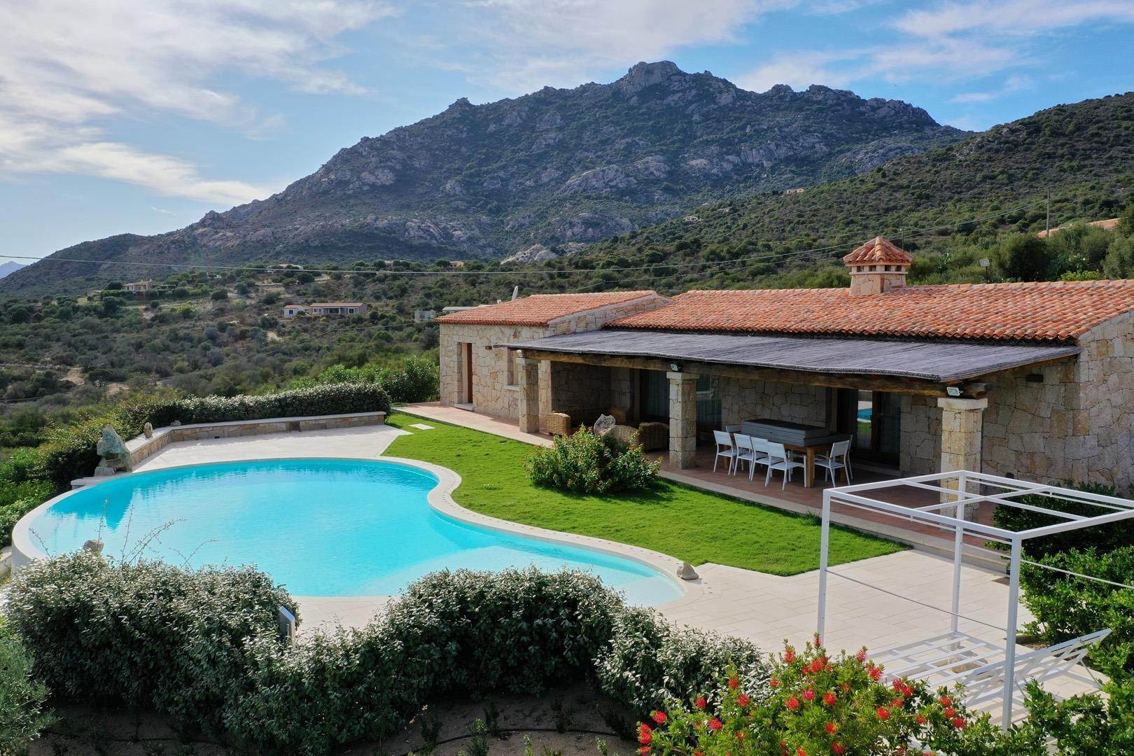 Single Family Home por un Venta en Stazzu Longevity Porto Rotondo, Italia