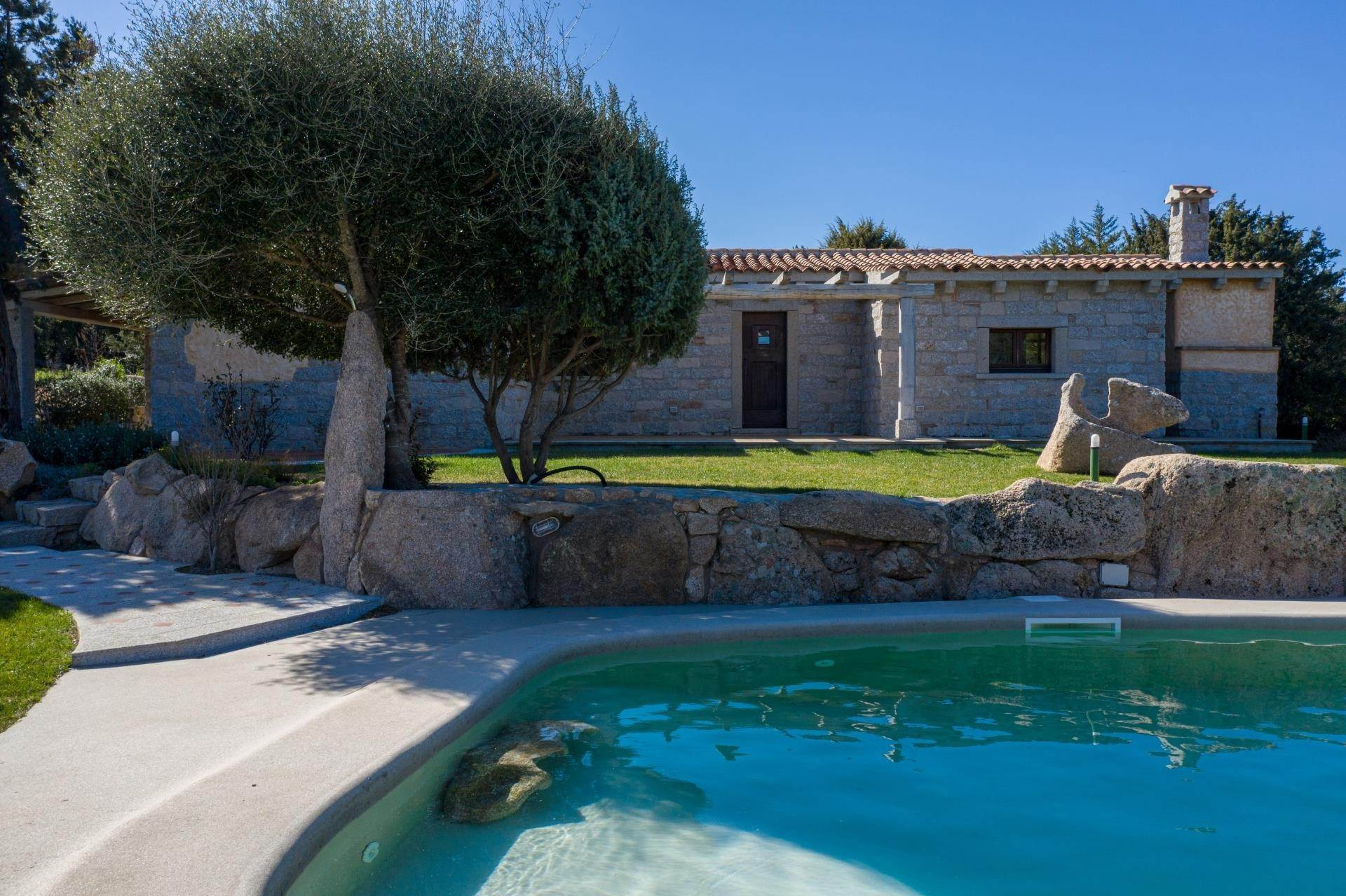 2. Villa/Townhouse for Rent at Country Villa with Pool for rent Costa Smeralda, Olbia Tempio,07021 Italy