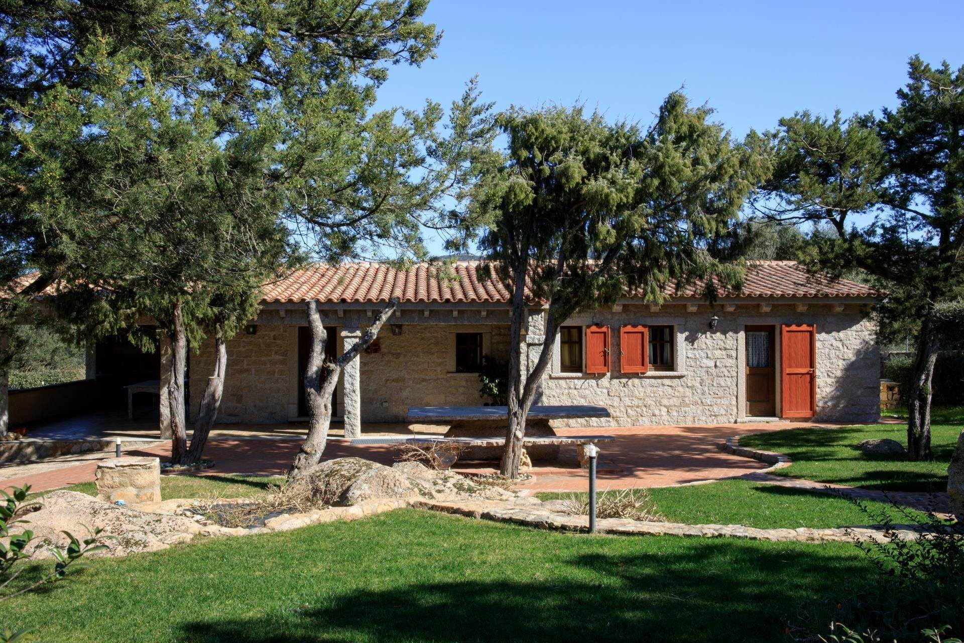 13. Villa/Townhouse for Rent at Country Villa with Pool for rent Costa Smeralda, Olbia Tempio,07021 Italy