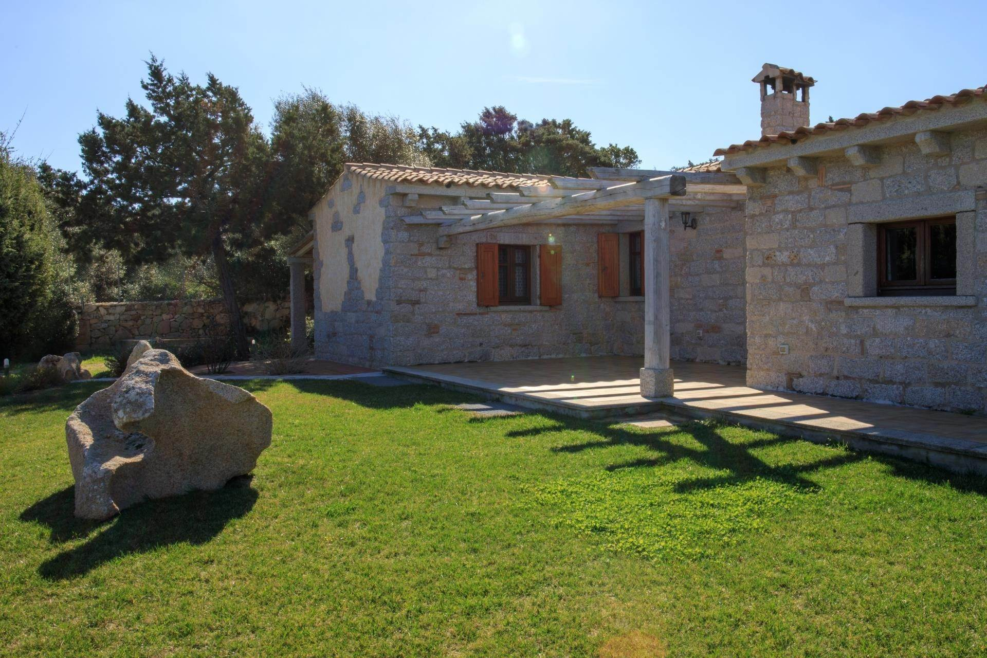 16. Villa/Townhouse for Rent at Country Villa with Pool for rent Costa Smeralda, Olbia Tempio,07021 Italy