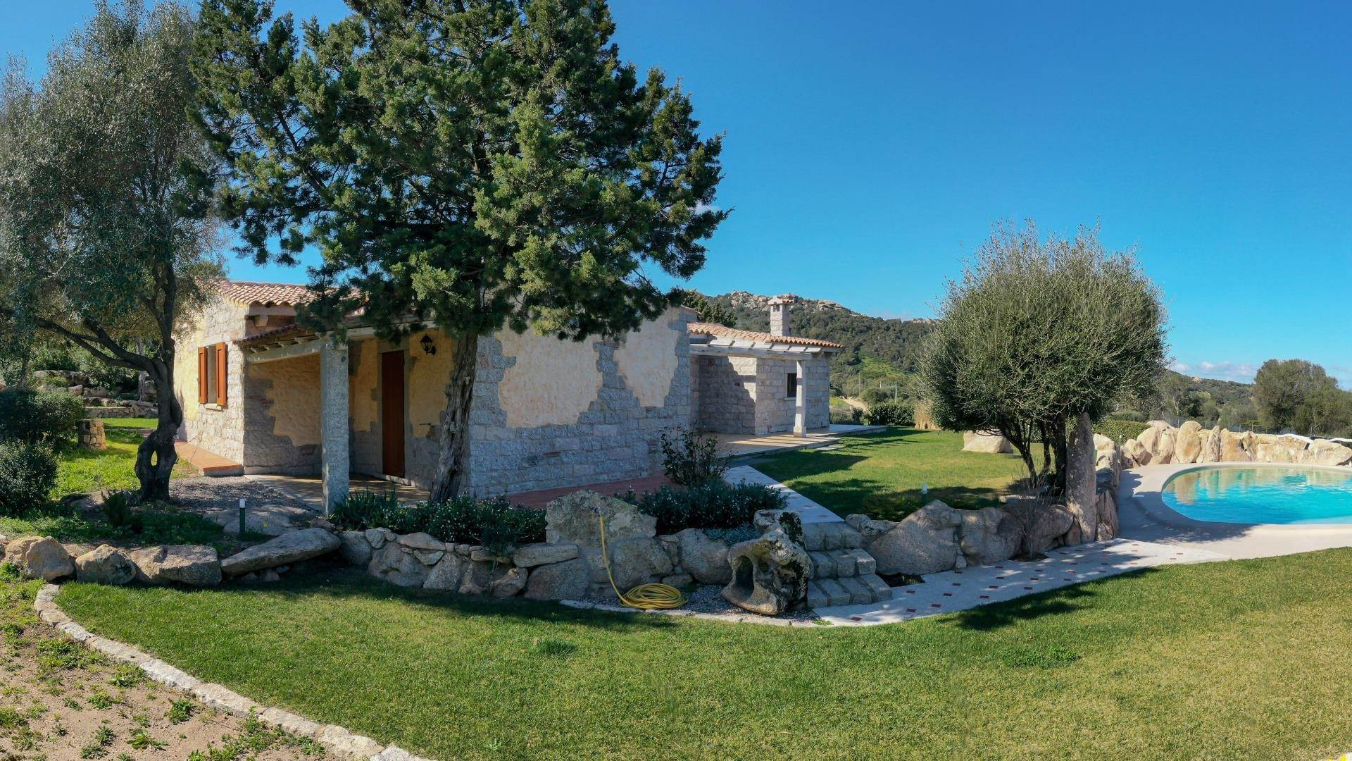 17. Villa/Townhouse for Rent at Country Villa with Pool for rent Costa Smeralda, Olbia Tempio,07021 Italy