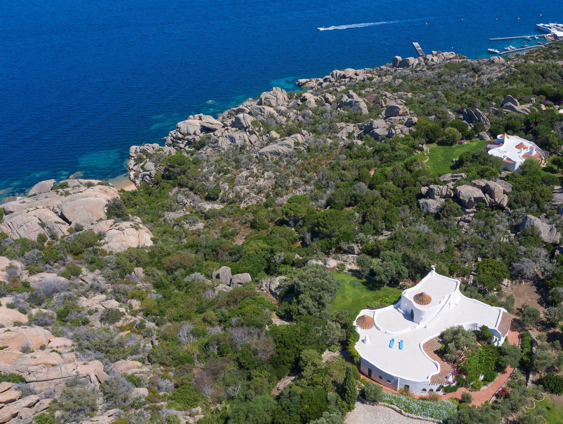 2. Estate for Rent at The Ulivi Estate for rent Porto Rafael, Olbia Tempio,07020 Italy