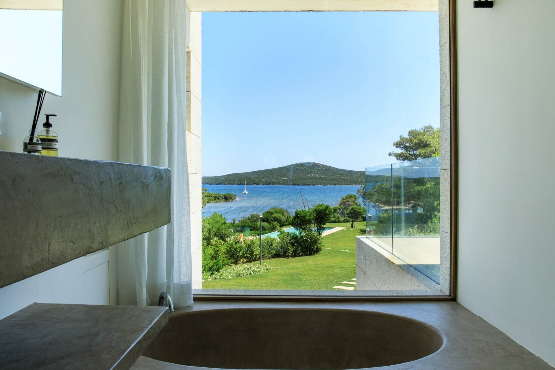 17. Villa/Townhouse for Sale at Waterfront Villa La Coluccia Costa Smeralda, Olbia Tempio,07020 Italy