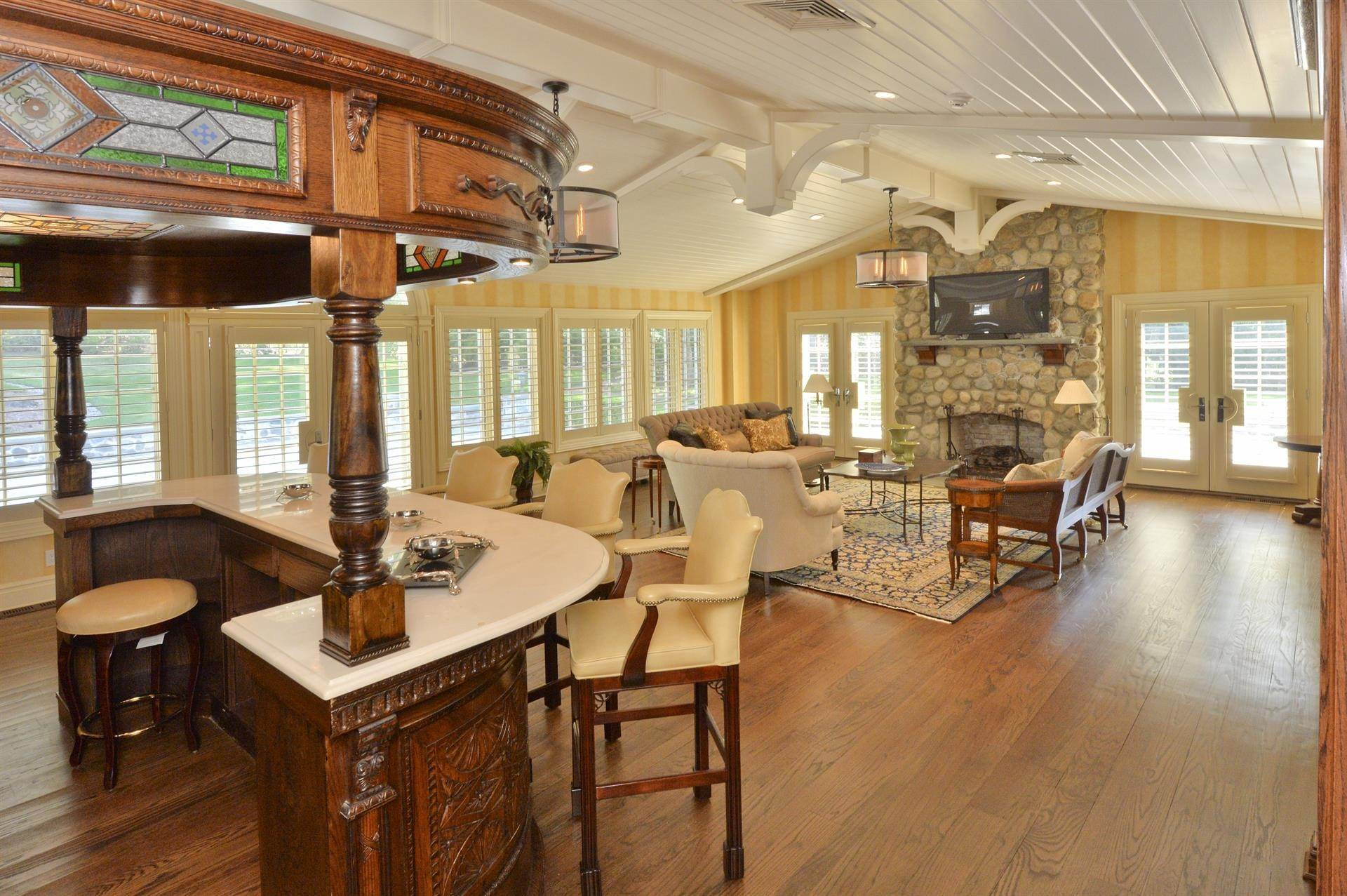 10. Single Family Home 為 出售 在 Celebrity Stunner - 5+ Acre Family Compound Saddle River, 新澤西州,07458 美國
