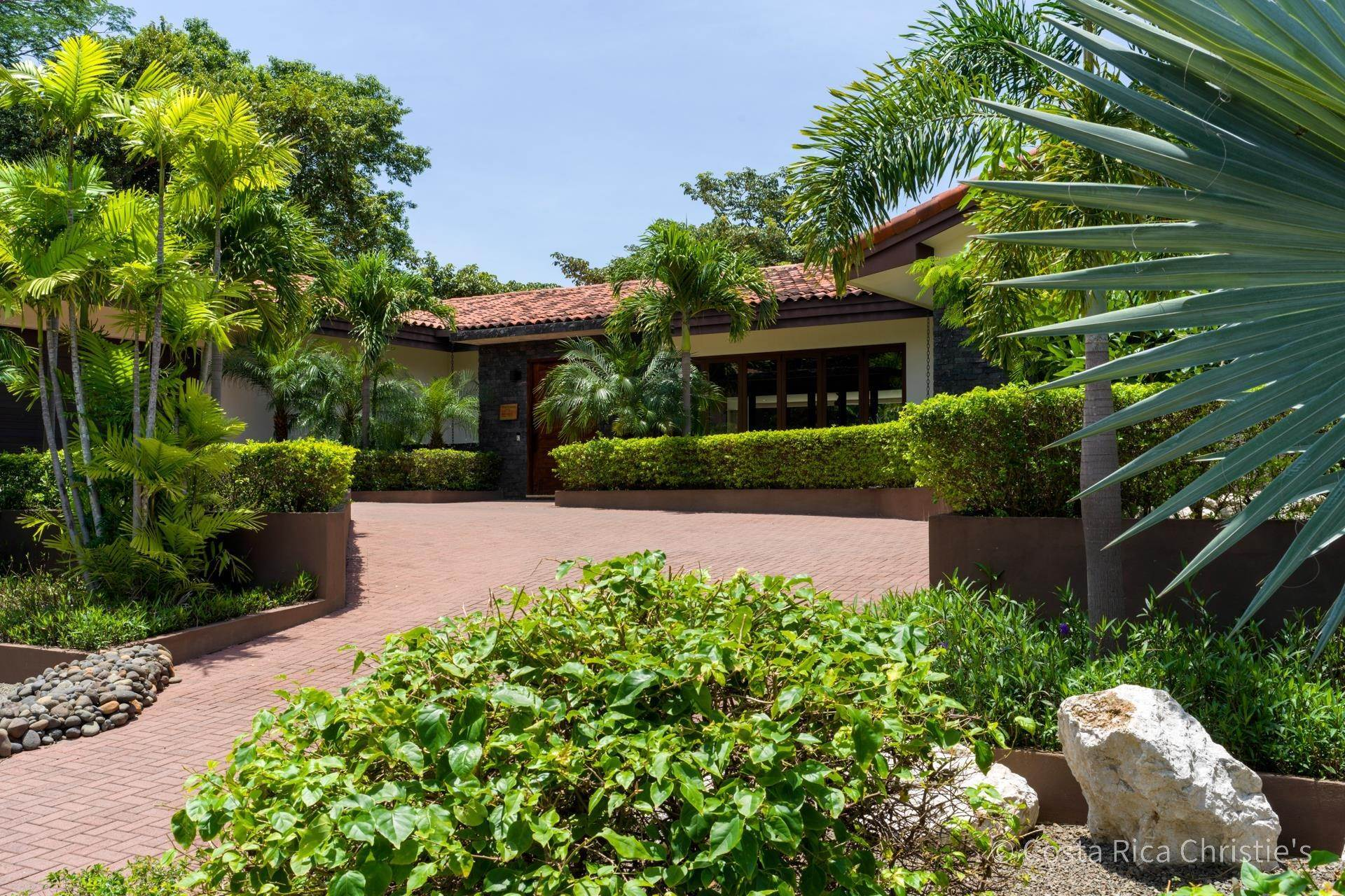 10. Single Family Home for Sale at Casa King Tamarindo, Guanacaste,50303 Costa Rica