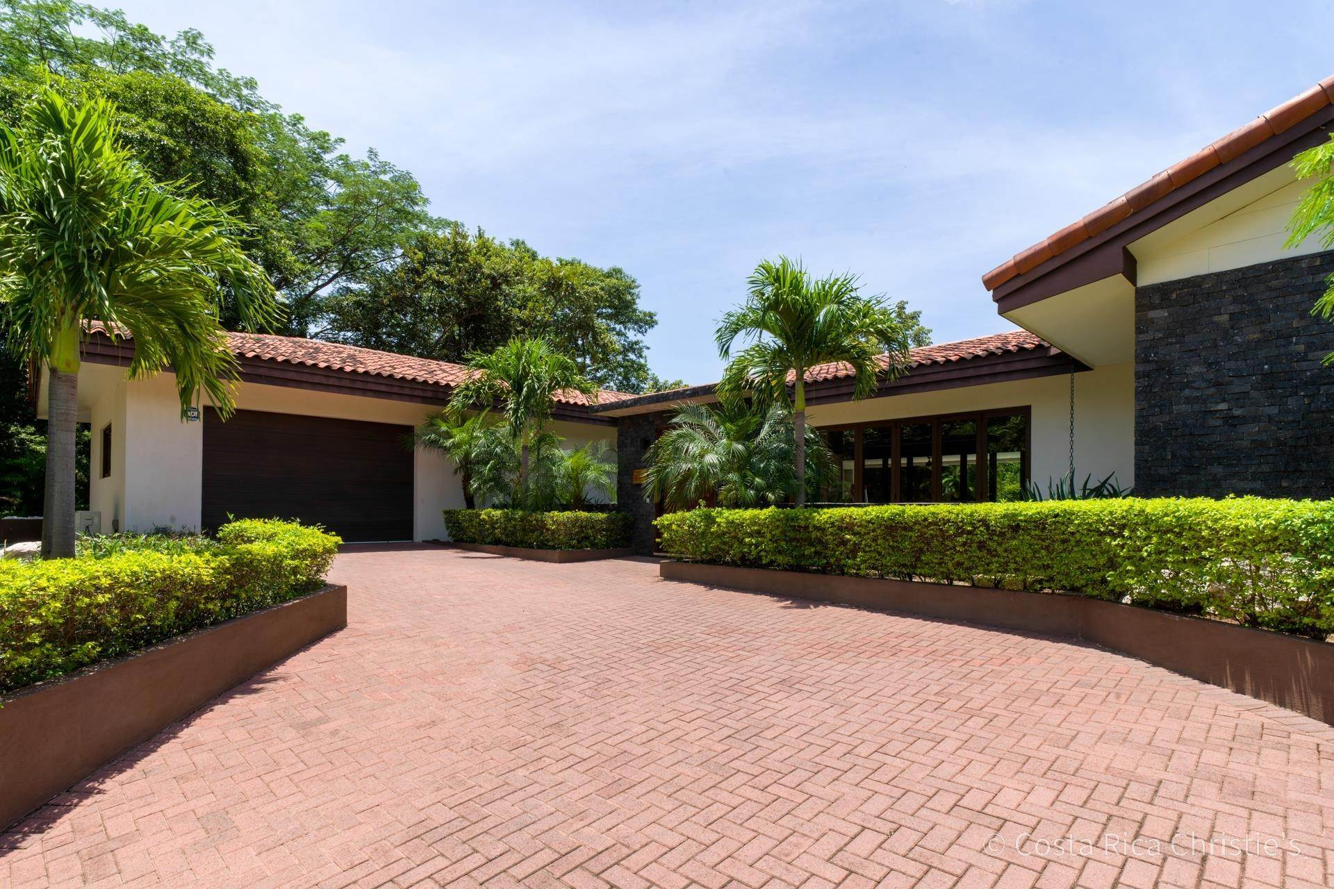 16. Single Family Home for Sale at Casa King Tamarindo, Guanacaste,50303 Costa Rica