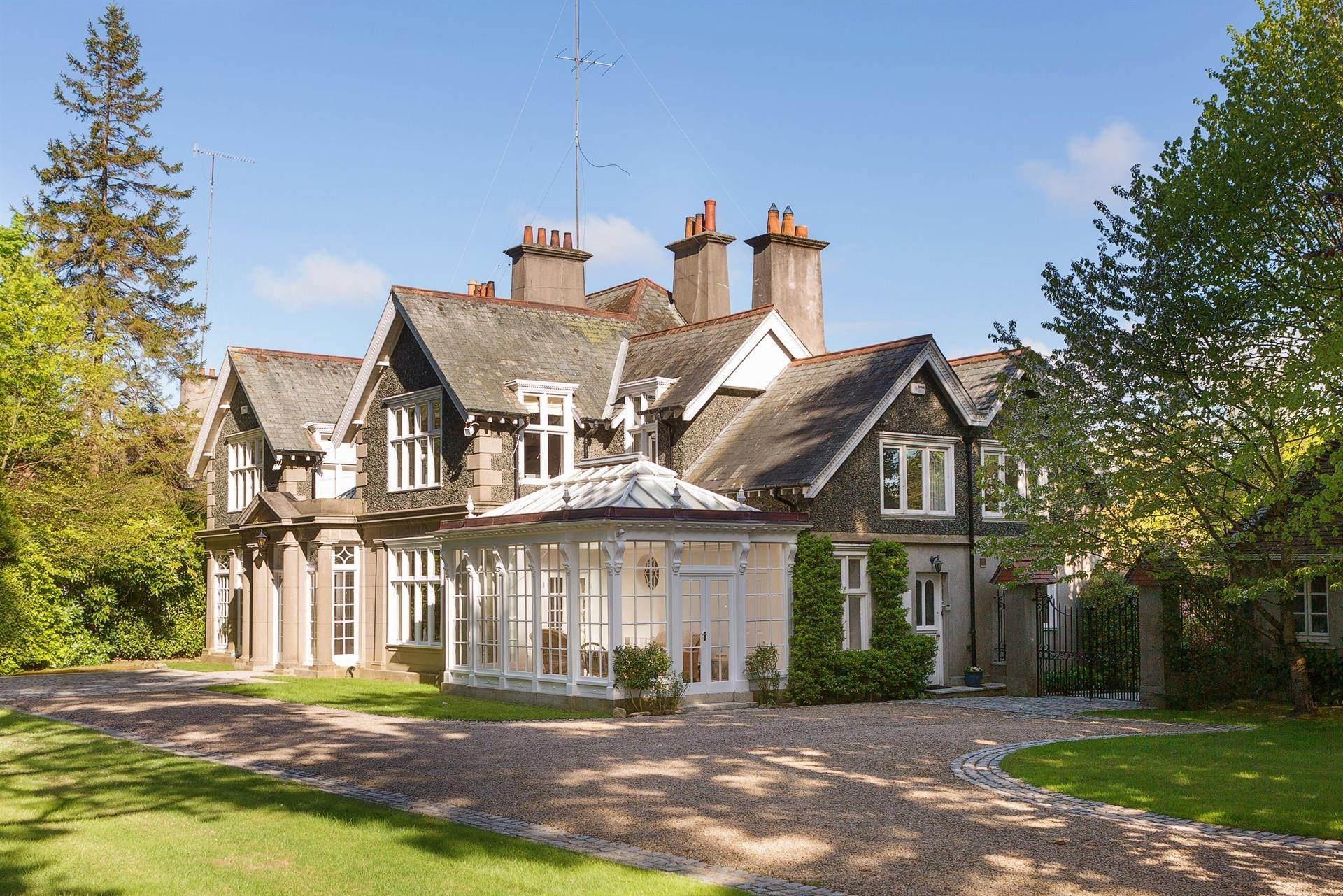 20. Single Family Home for Sale at Foxrock, Ireland
