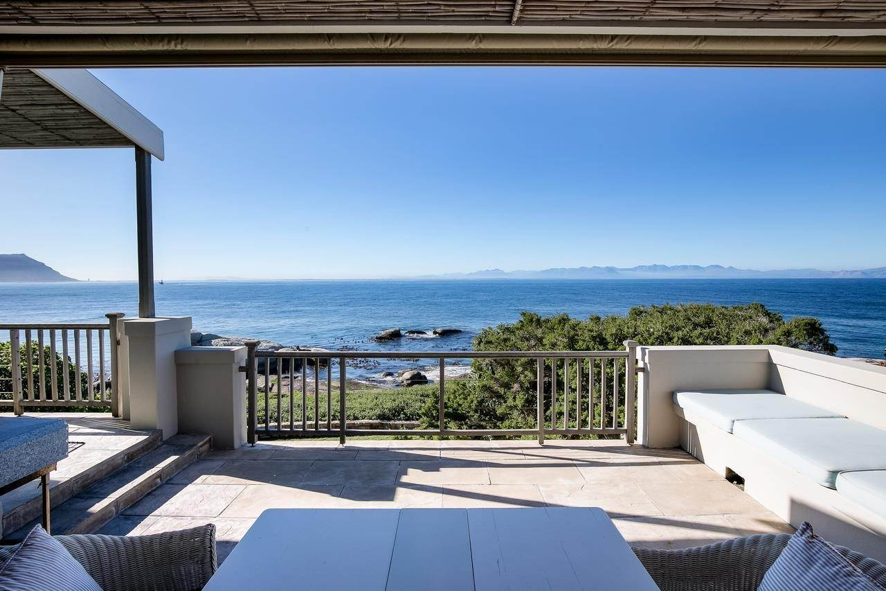 Single Family Home for Sale at LUXURIOUS EXCLUSIVE FAMILY HOME Cape Town, Western Cape,8001 South Africa
